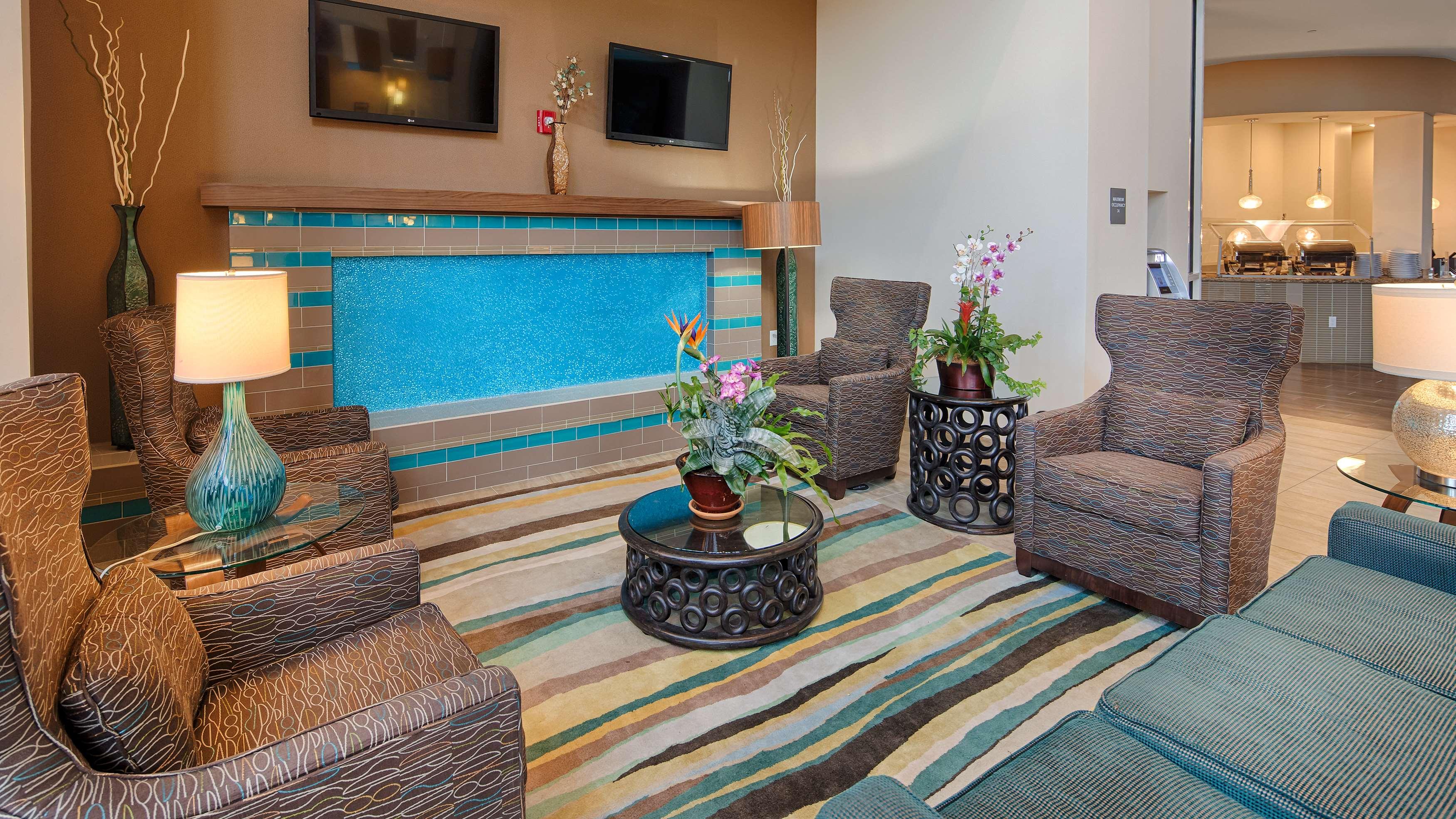 Best Western Plus Kendall Airport Hotel & Suites image 4
