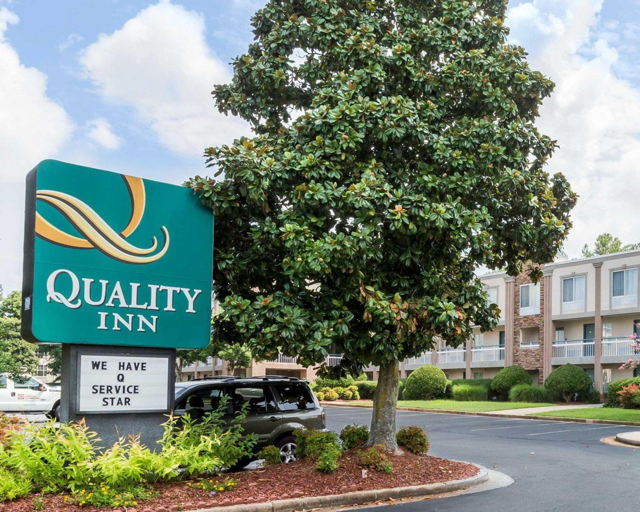 Quality Inn Northlake image 1