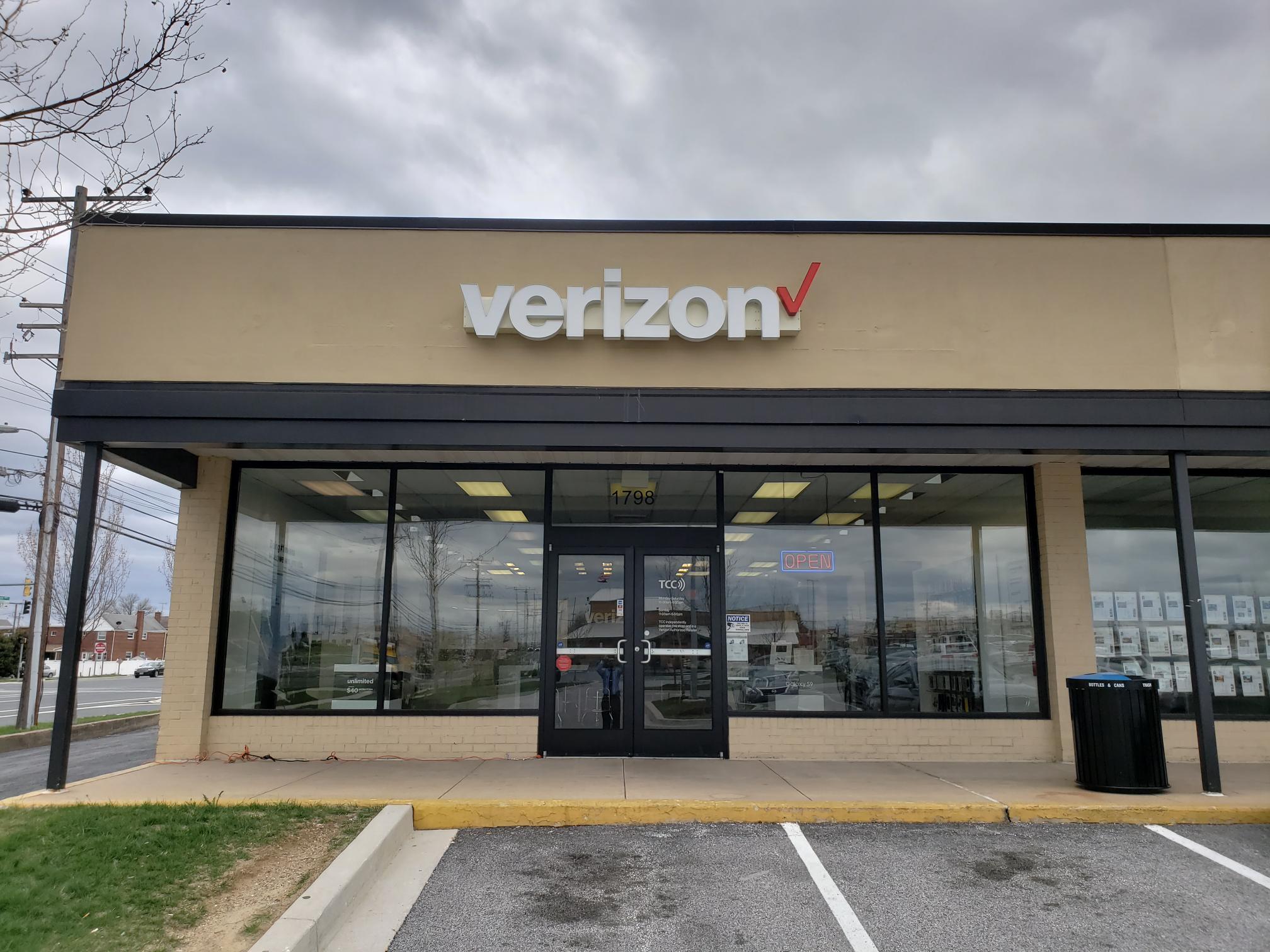 Verizon Authorized Retailer – TCC image 4