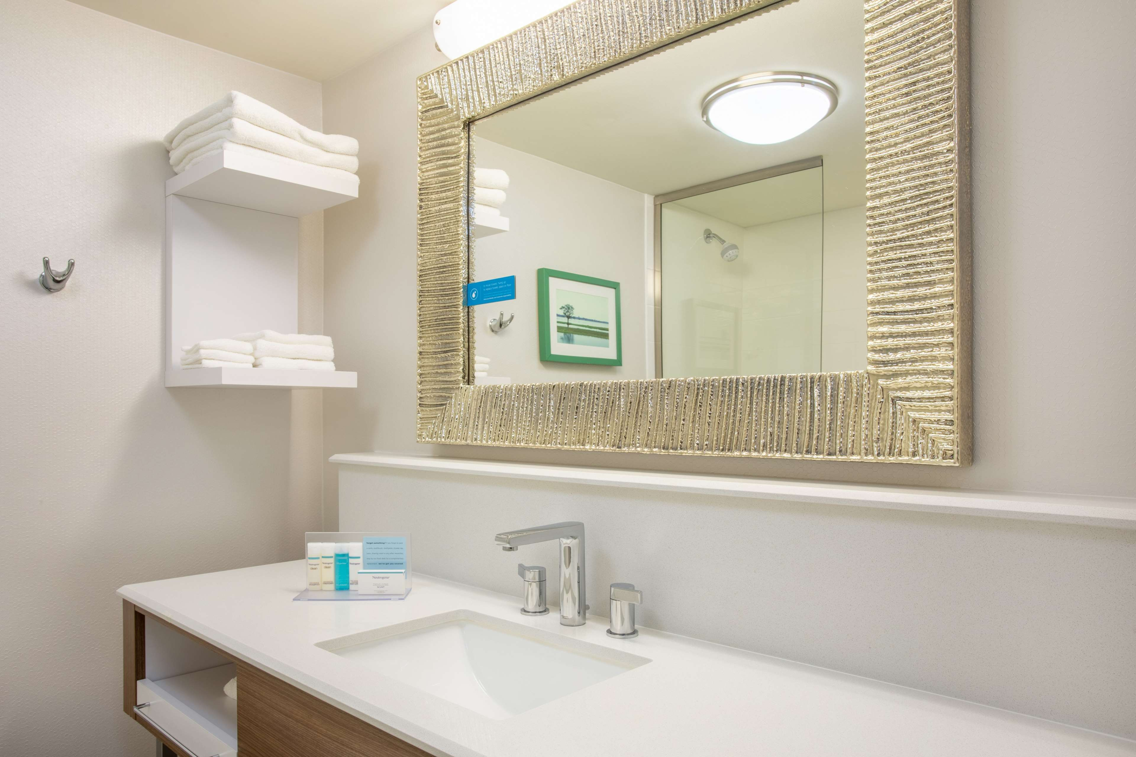 Hampton Inn Fishkill image 29