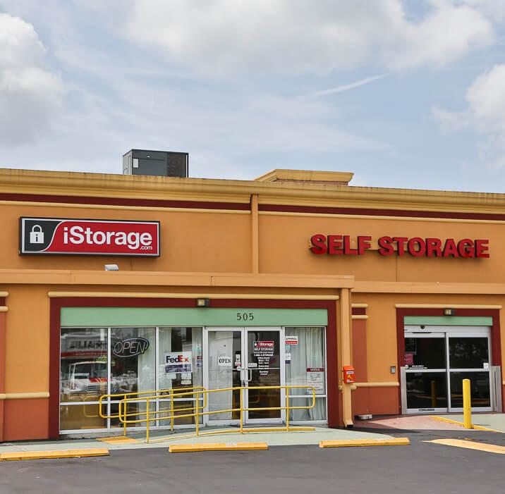 iStorage Self Storage image 0