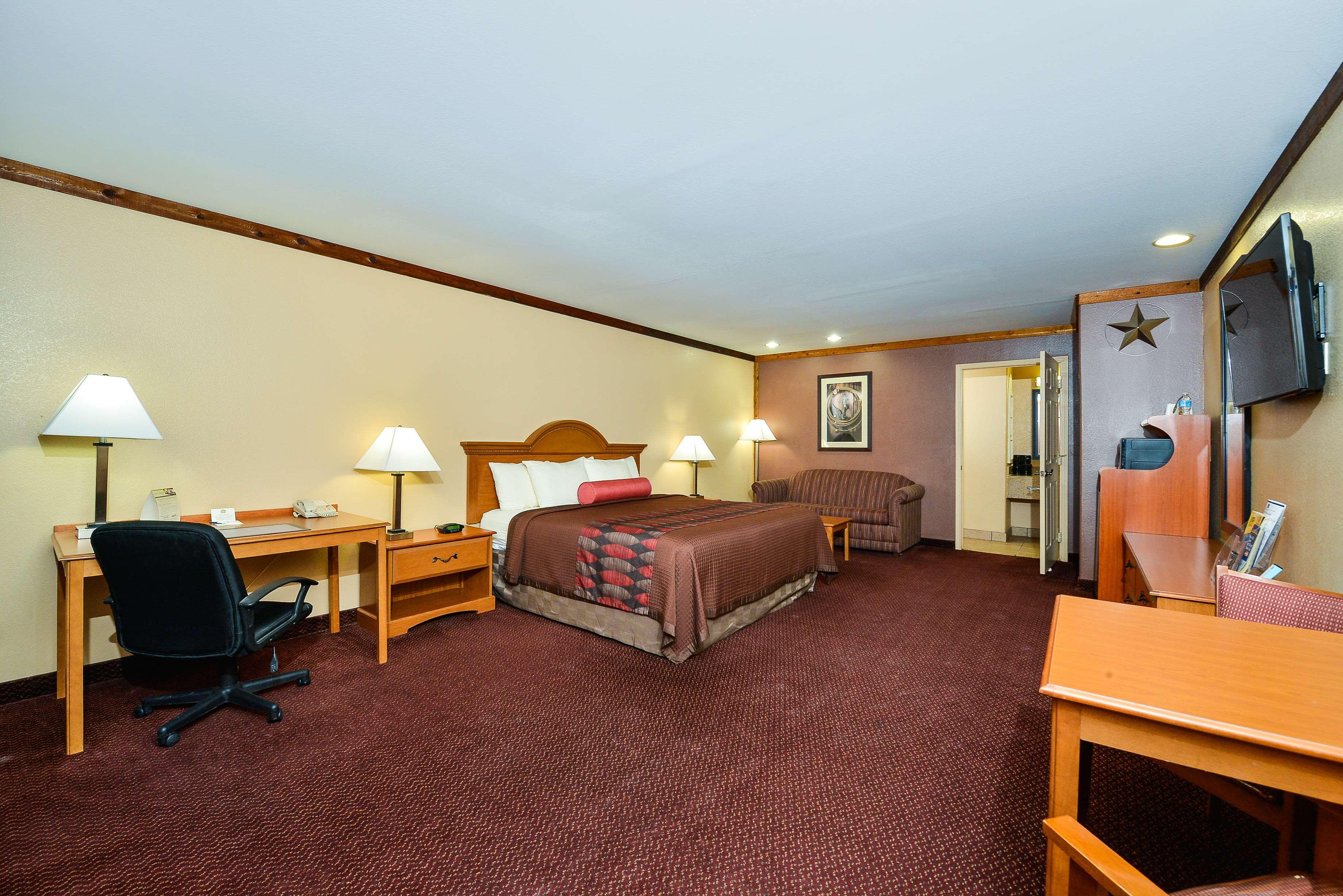 Best Western Windwood Inn & Suites image 26