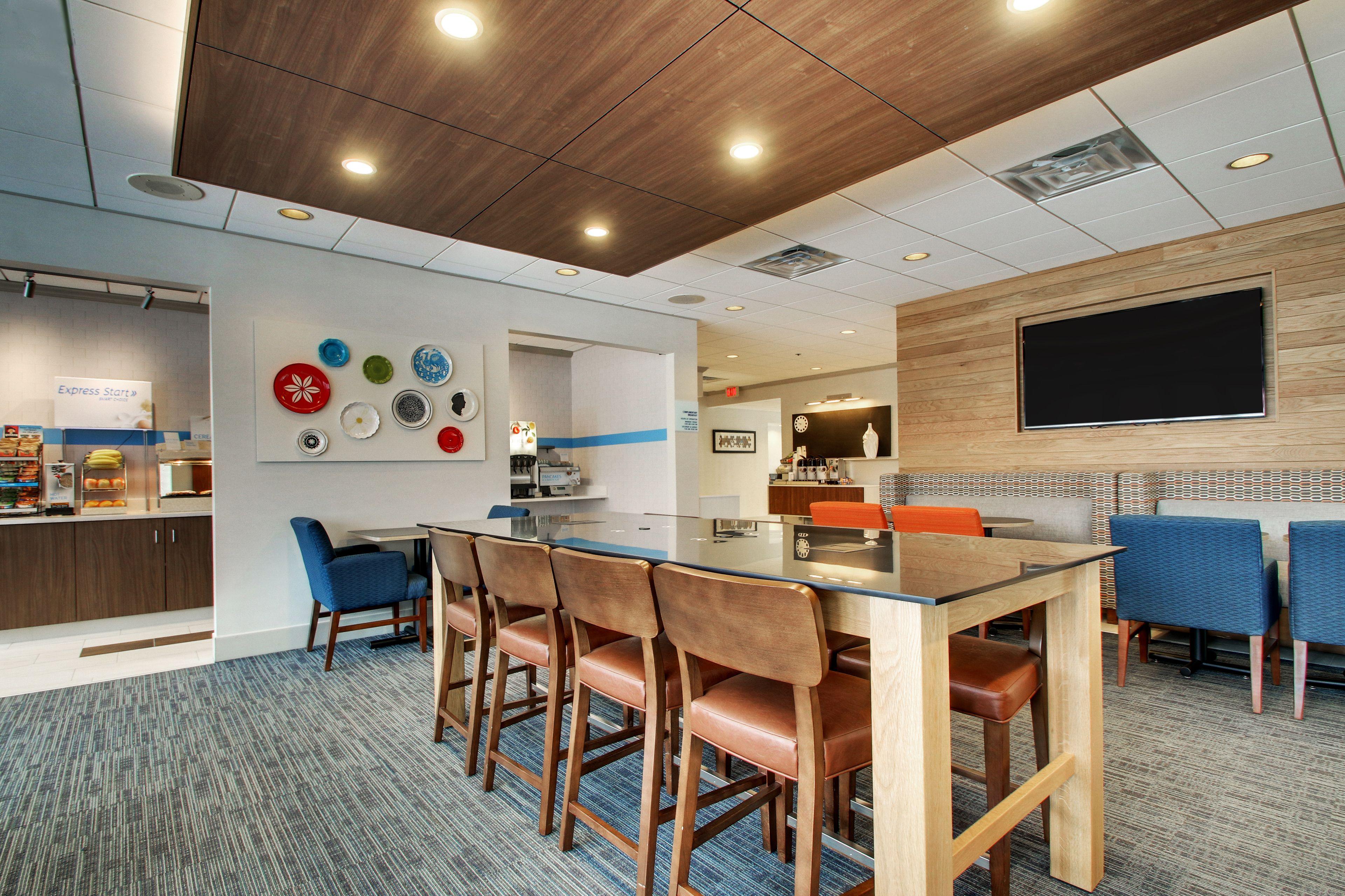 Holiday Inn Express Poughkeepsie image 4