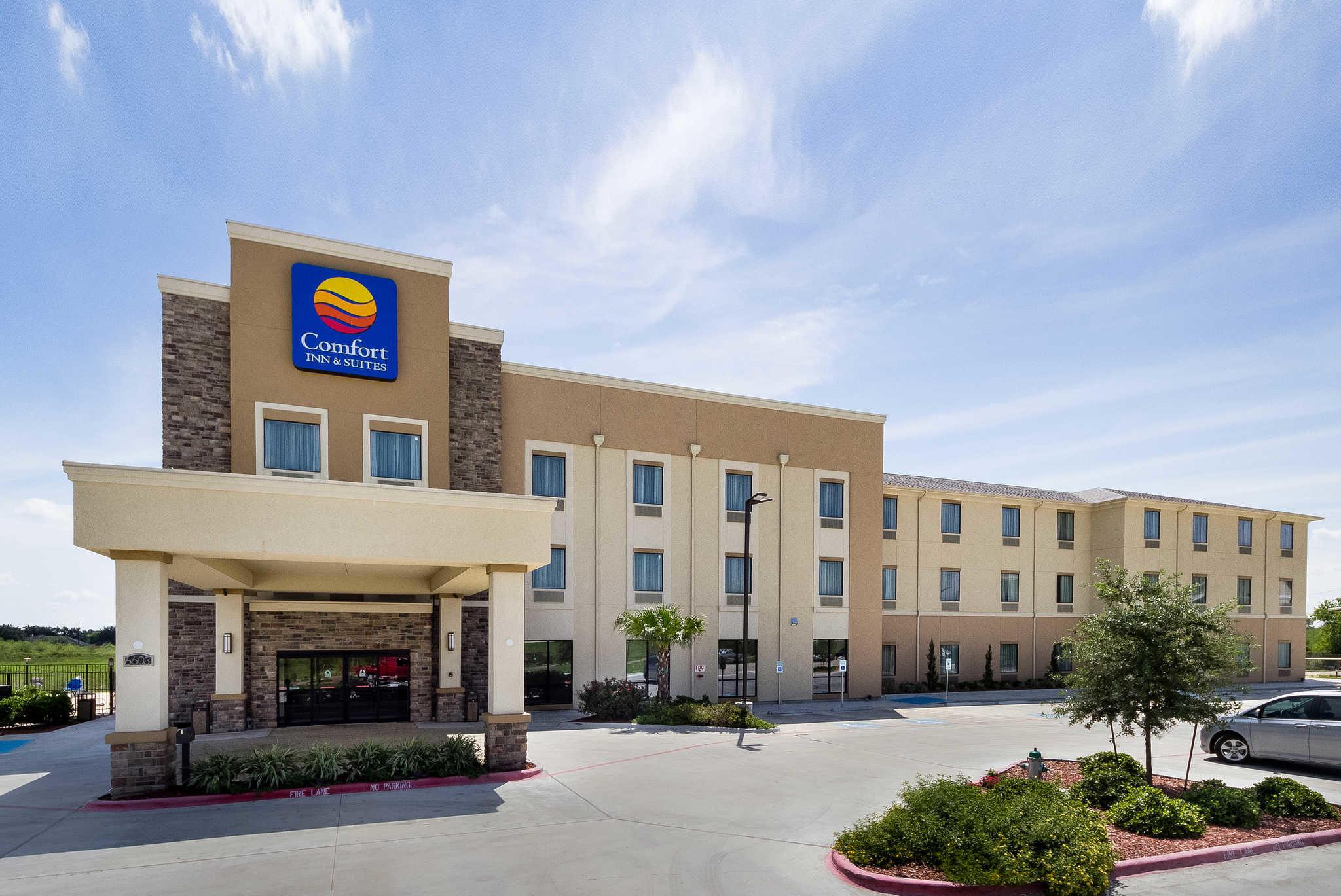 fort Inn Suites NE Zac Lentz Parkway Victoria TX