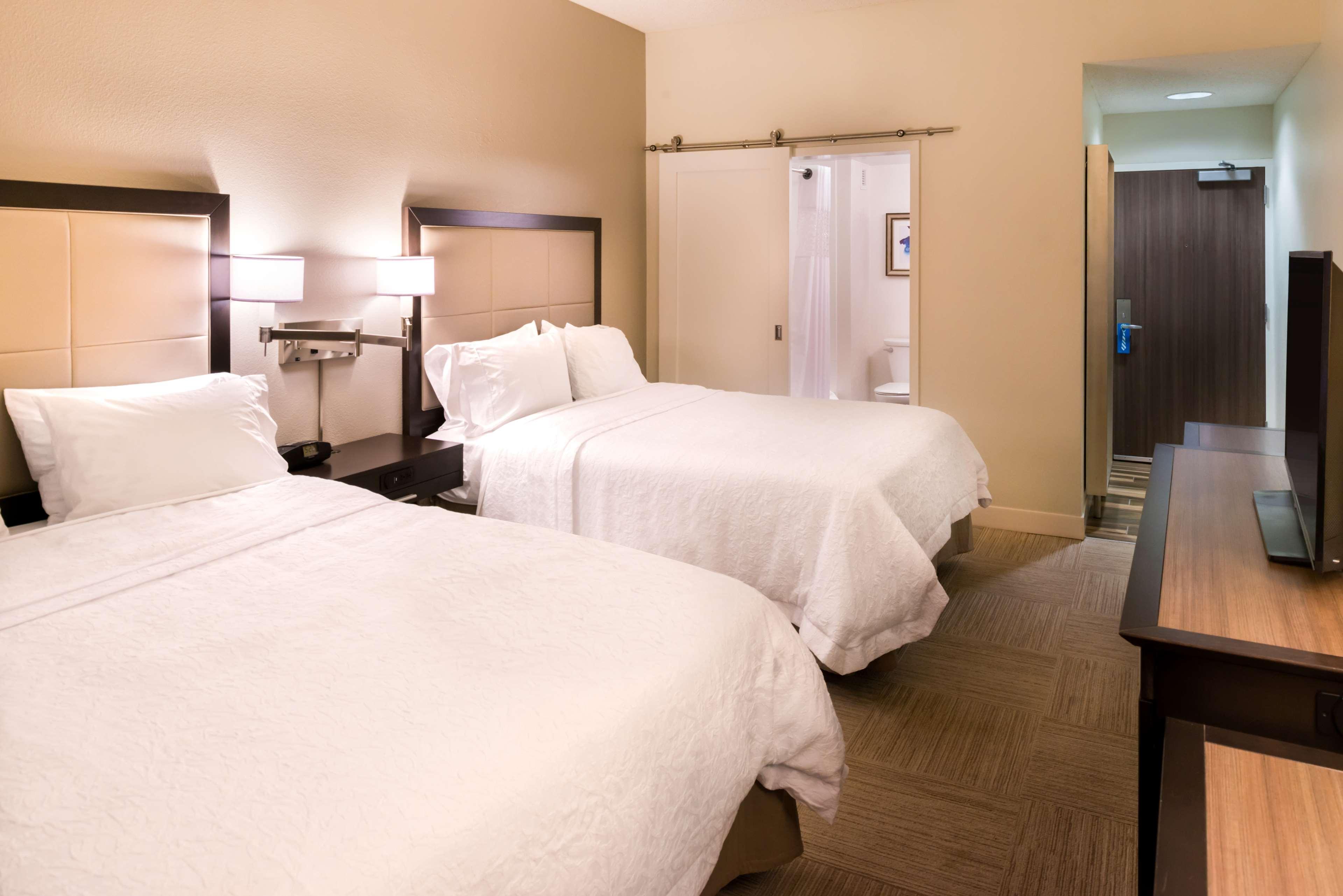 Hampton Inn & Suites Orlando/East UCF Area image 21