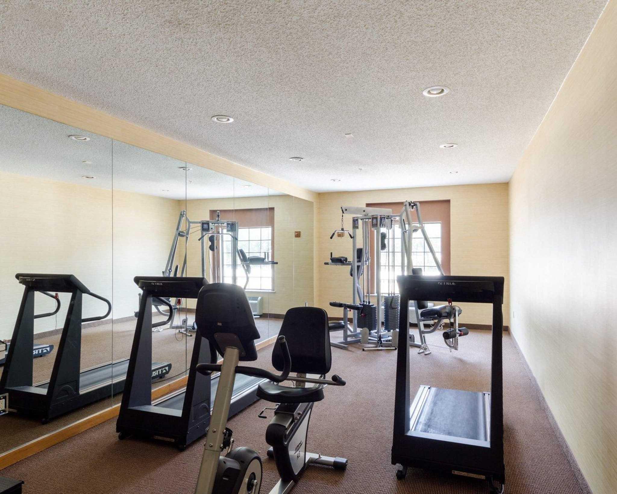 Comfort Inn & Suites image 35