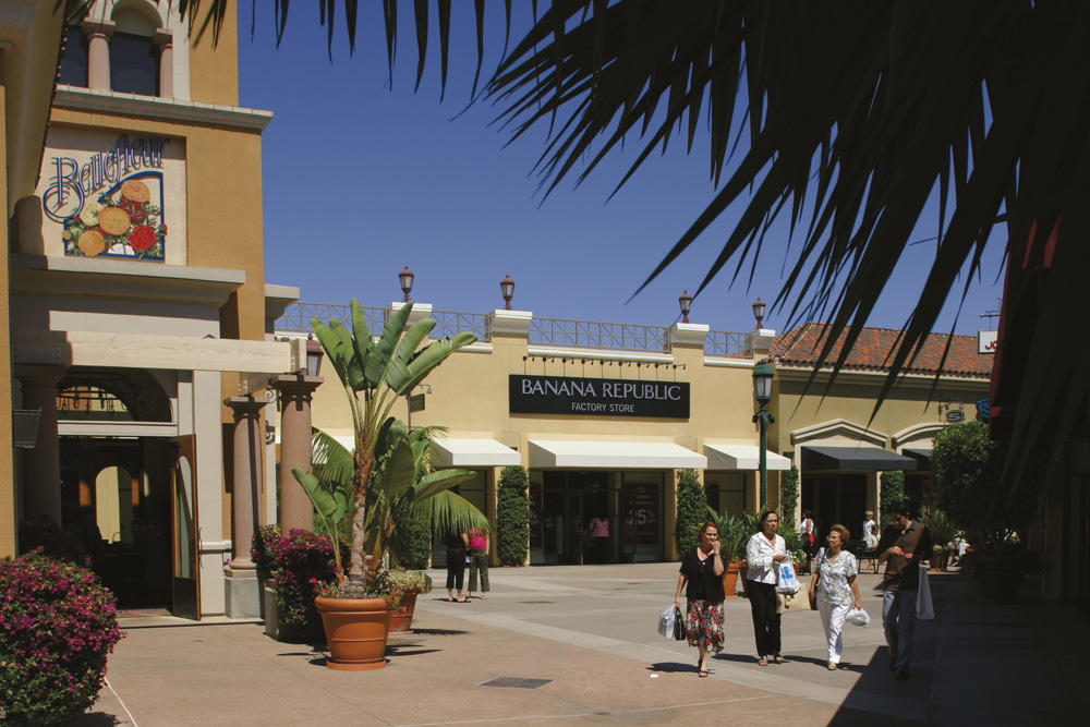 Carlsbad Premium Outlets image 18