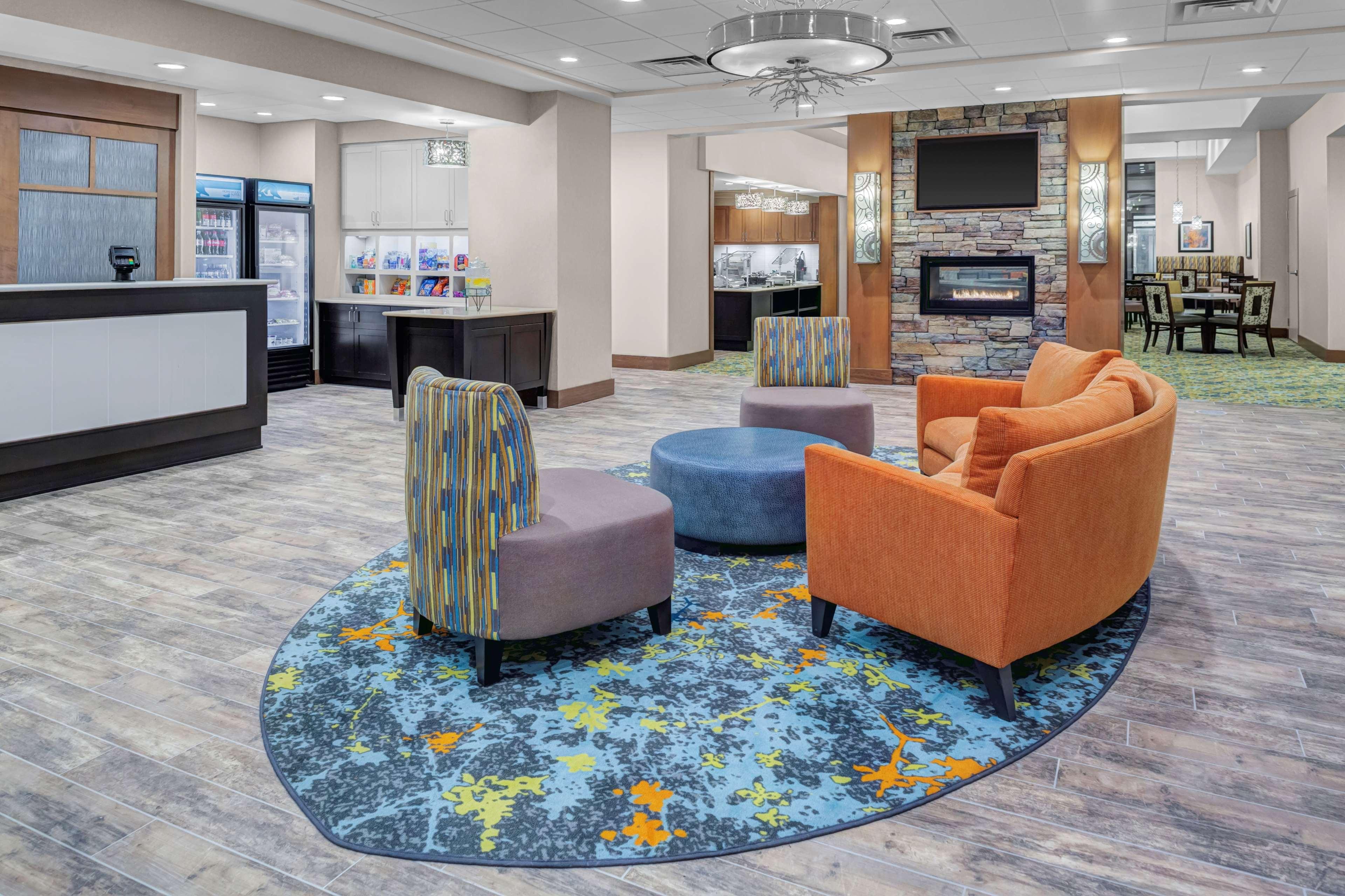 Homewood Suites by Hilton Wauwatosa Milwaukee image 0