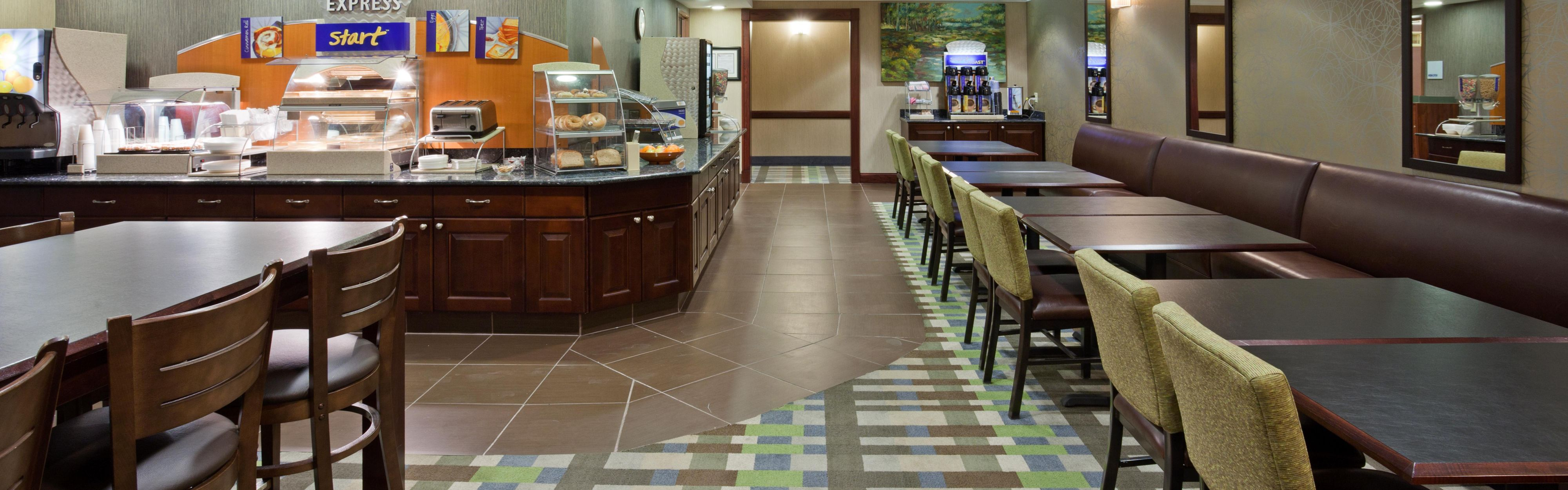 Holiday Inn Express & Suites St. Paul Ne (Vadnais Heights) image 3