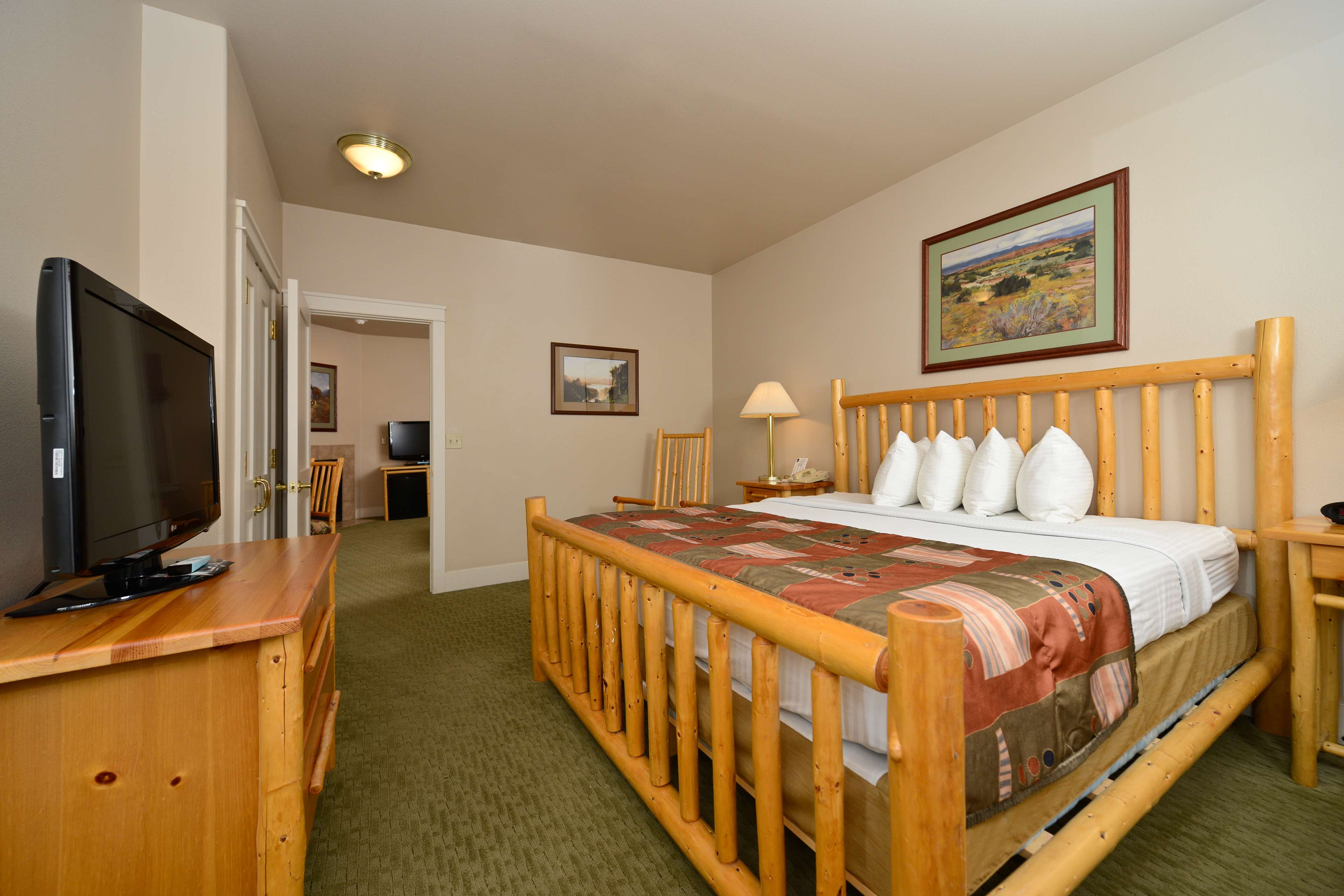Best Western Plus Plaza Hotel image 31