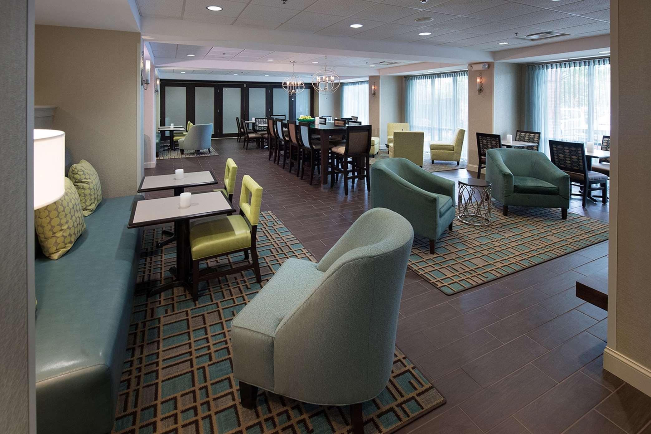 Hampton Inn Atlanta/Fayetteville image 11