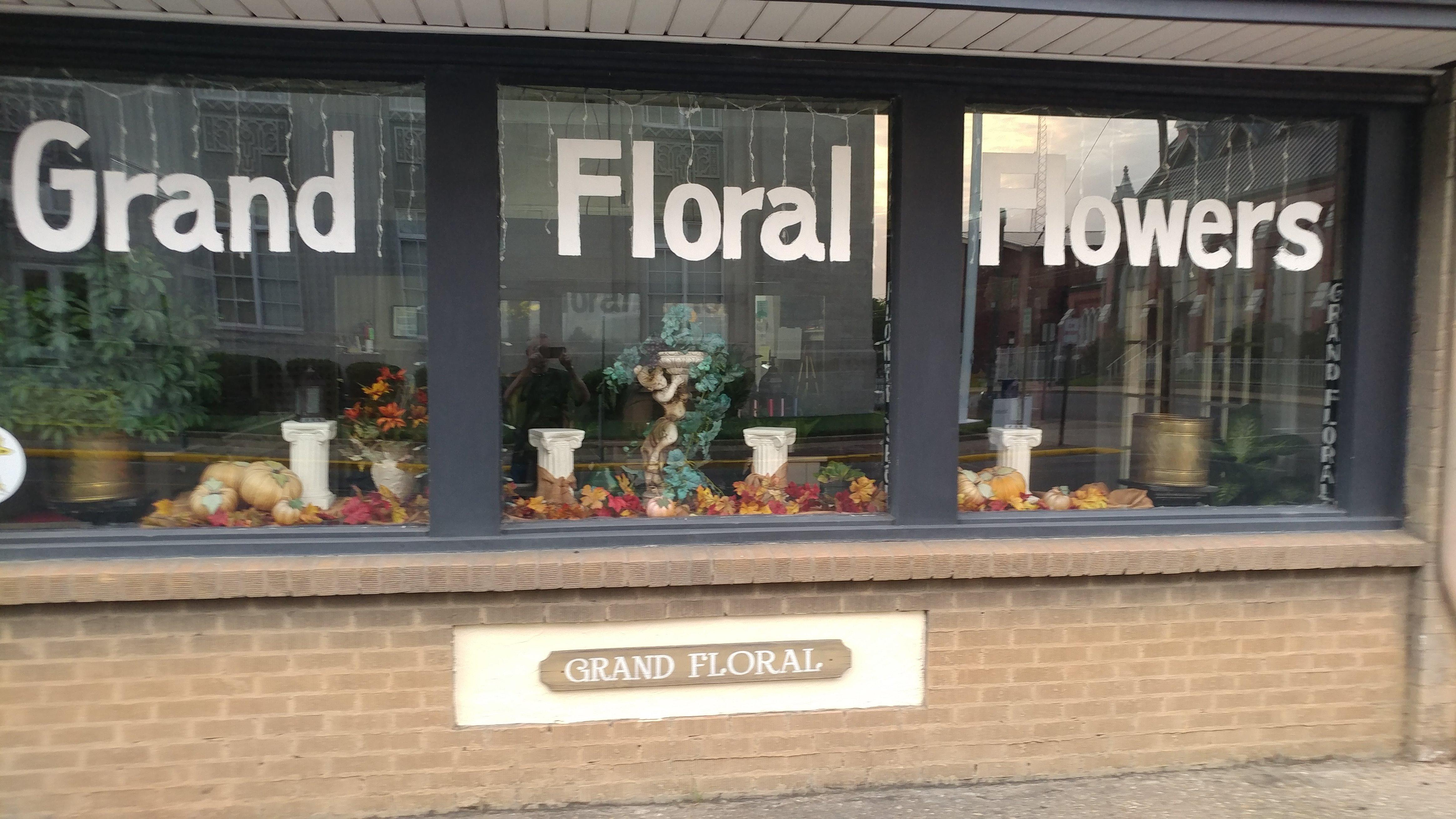 Grand Floral Monroe image 0
