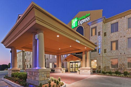 Holiday Inn Express & Suites Oklahoma City Nw-Quail Springs image 3