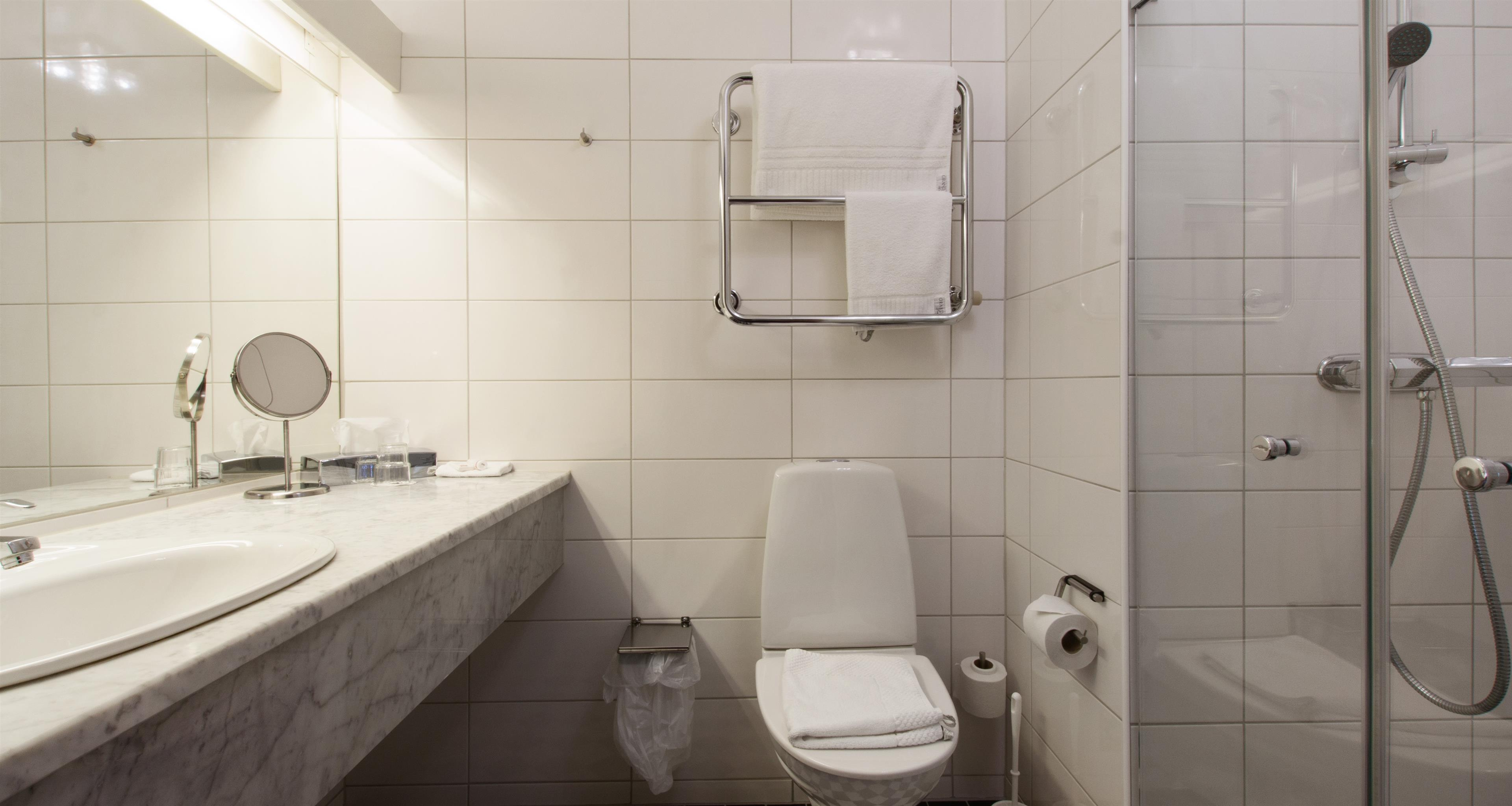 Double Room, Bathroom