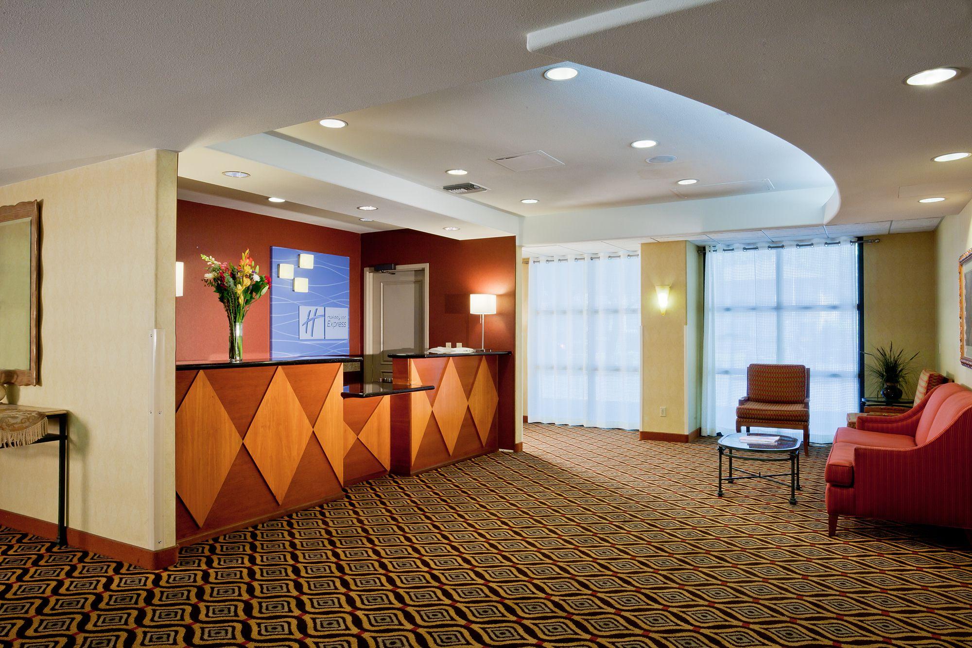 Holiday Inn Express Sacramento Convention Center image 2