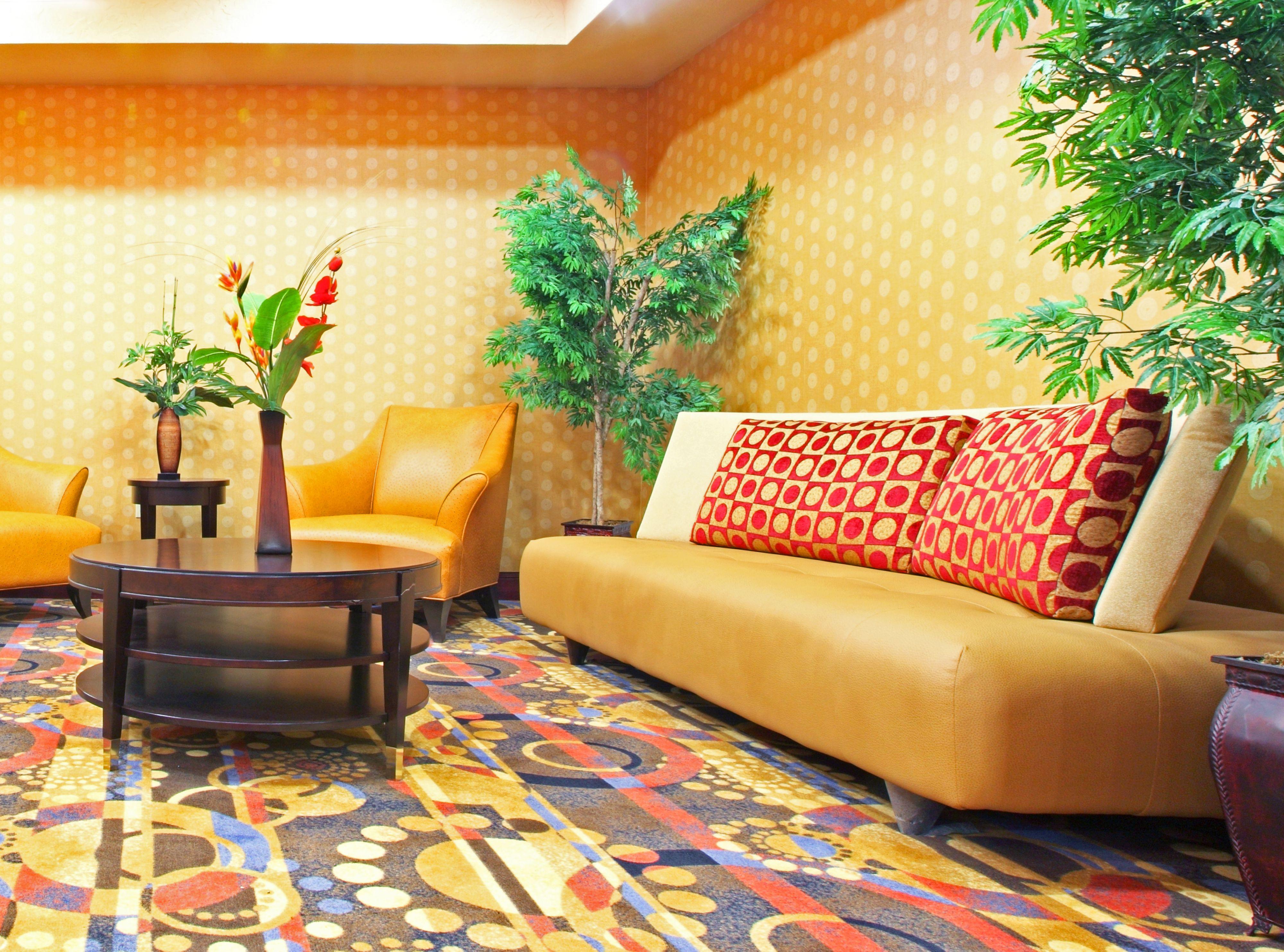 Holiday Inn Express & Suites Van Buren-Ft Smith Area image 4