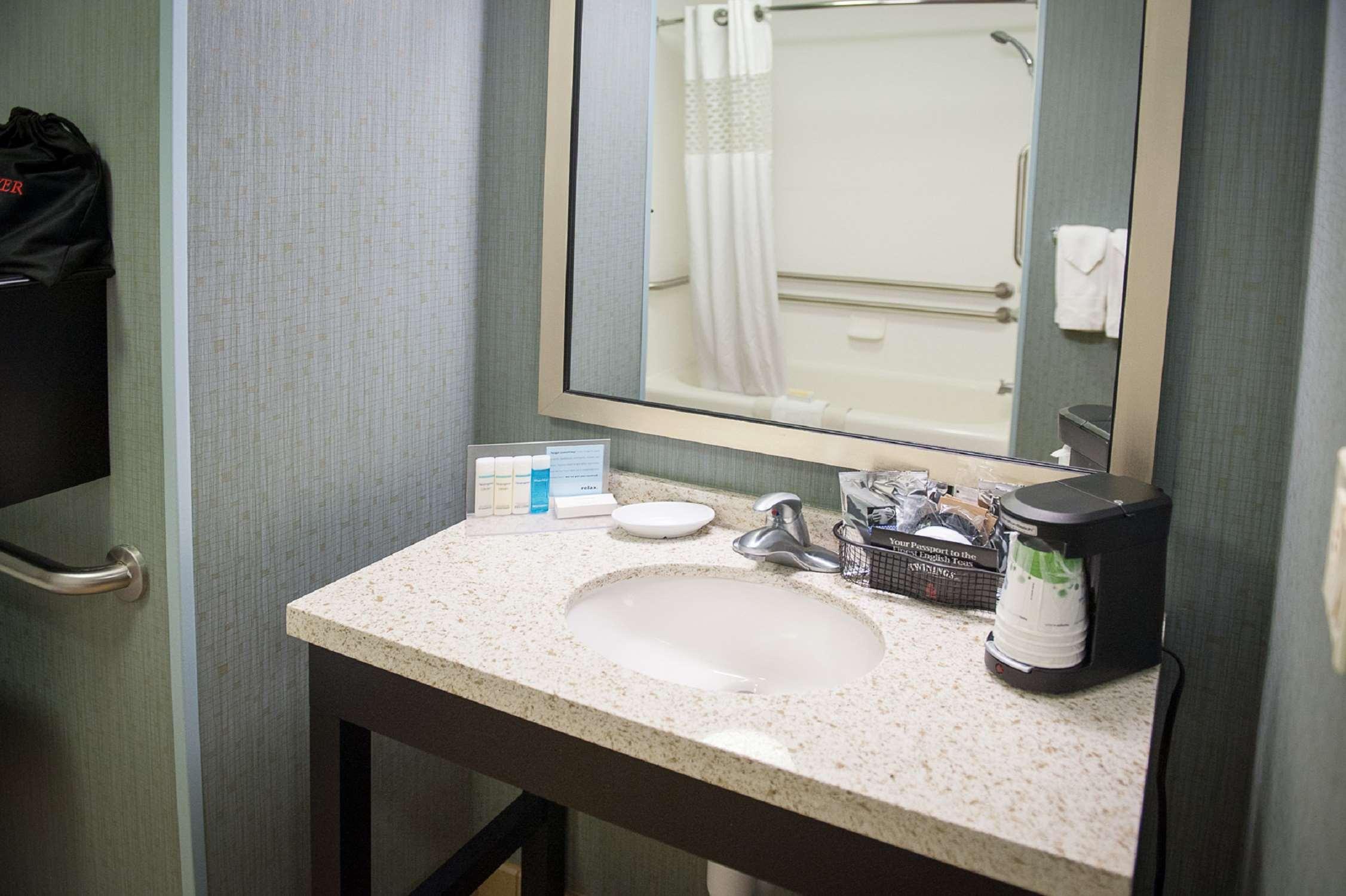 Hampton Inn & Suites St. Petersburg/Downtown image 17
