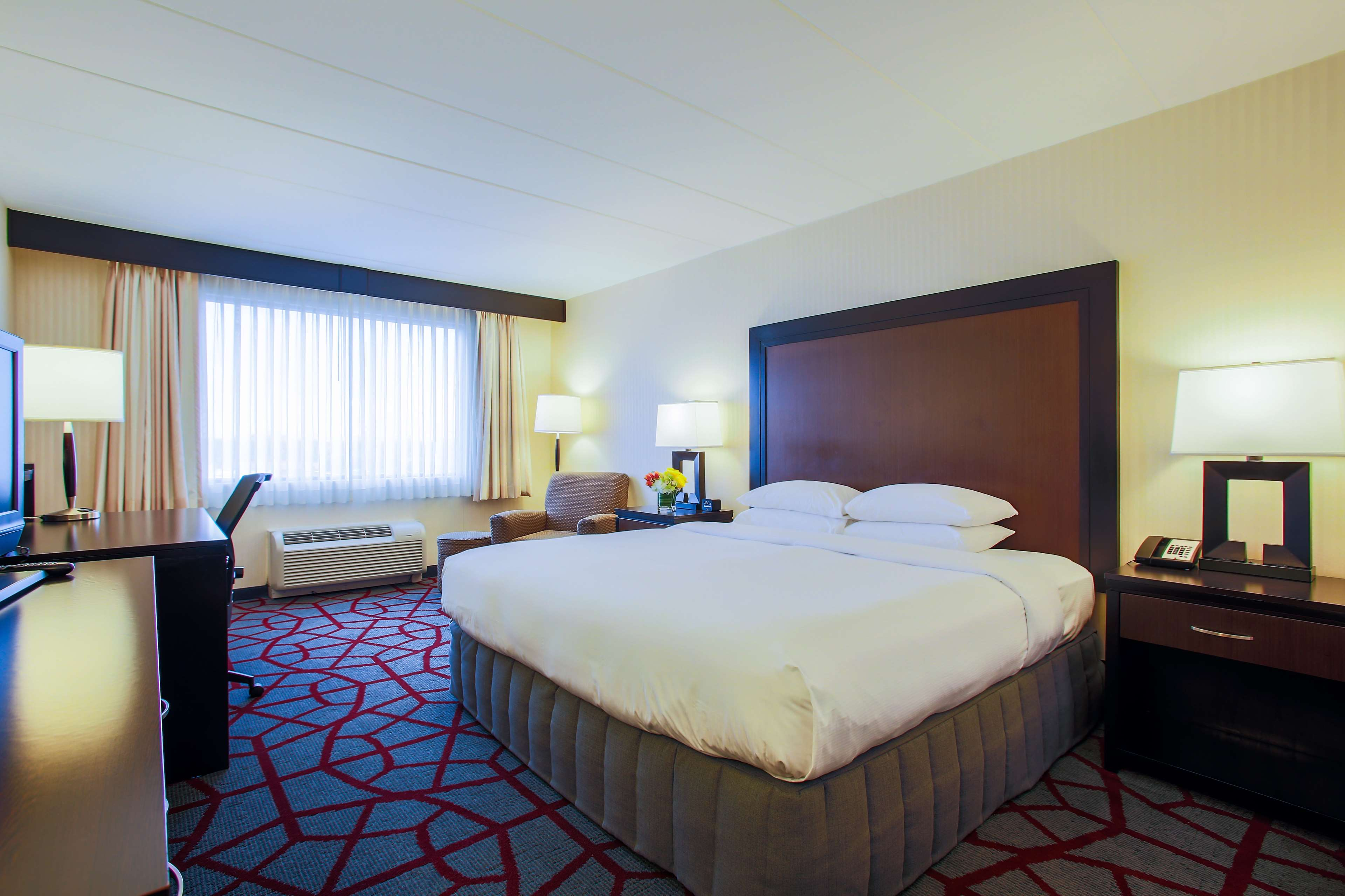 DoubleTree by Hilton Hotel Chicago - Alsip image 12