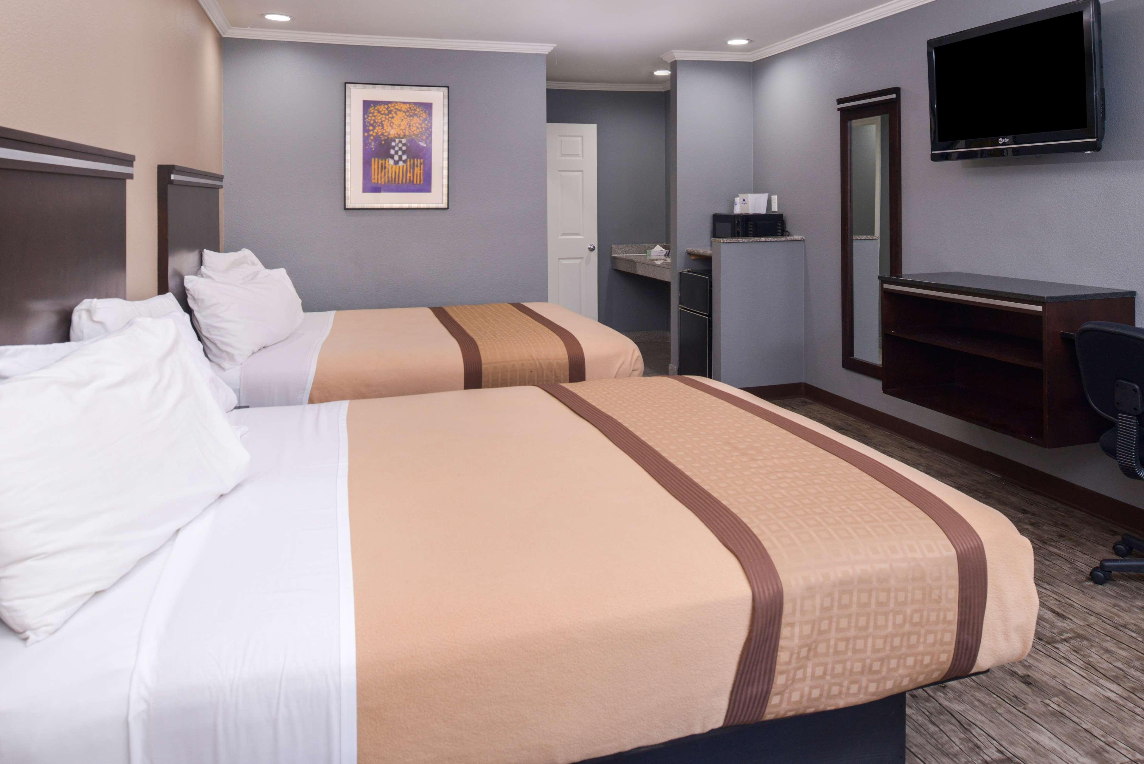 Americas Best Value Laguna Inn & Suites image 16