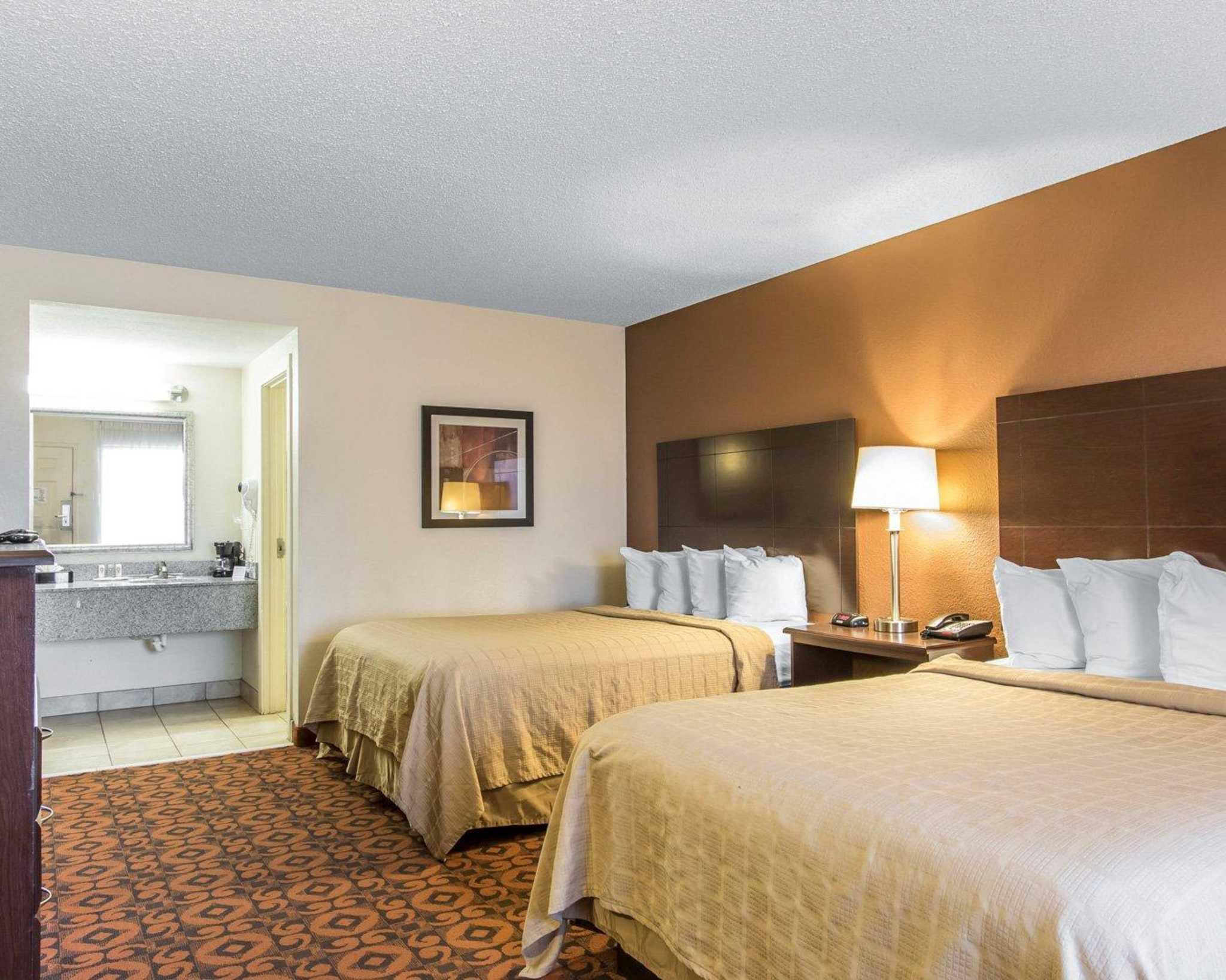 Quality Inn & Suites Fairgrounds West image 7