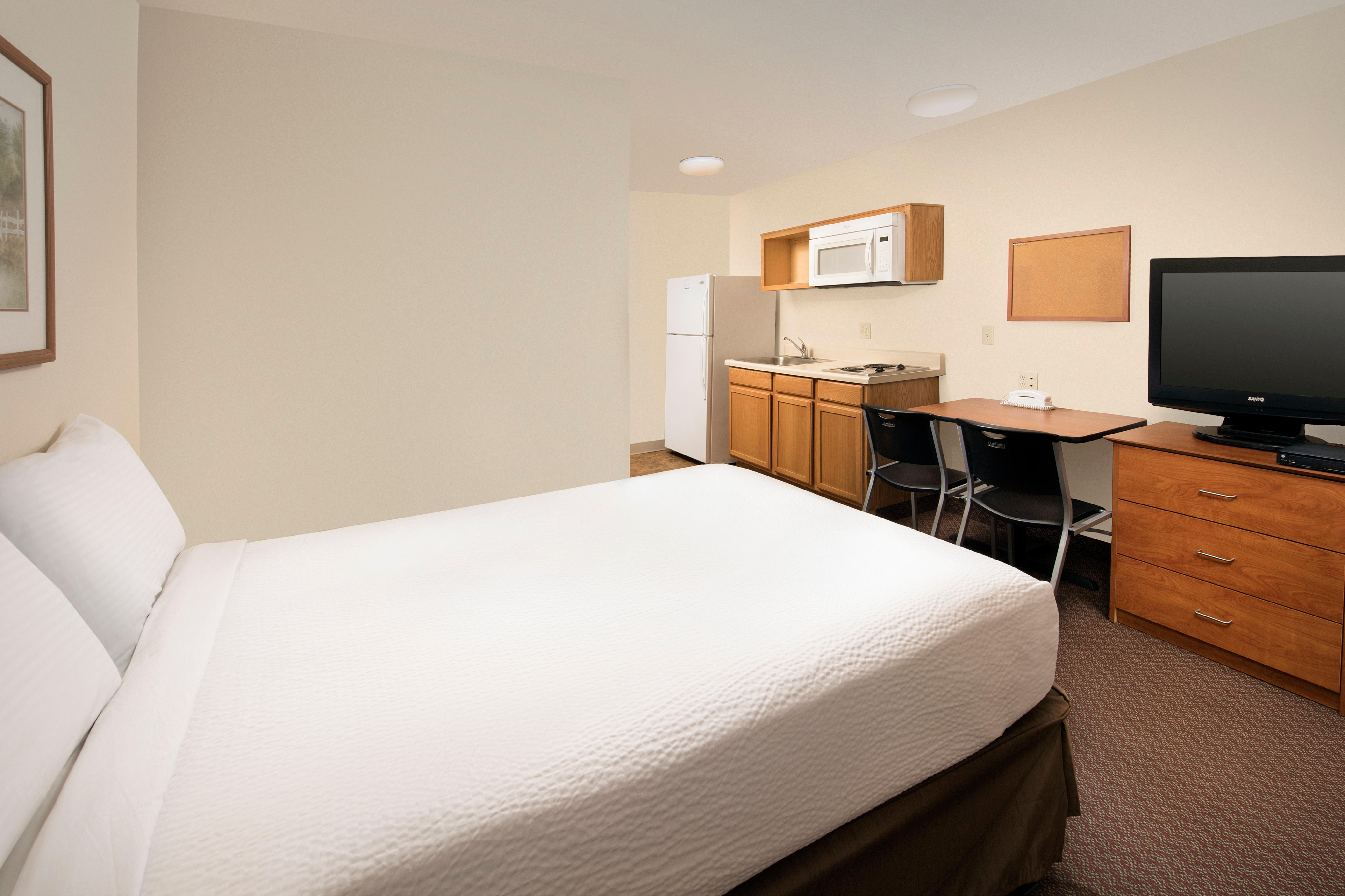 WoodSpring Suites Midland image 6