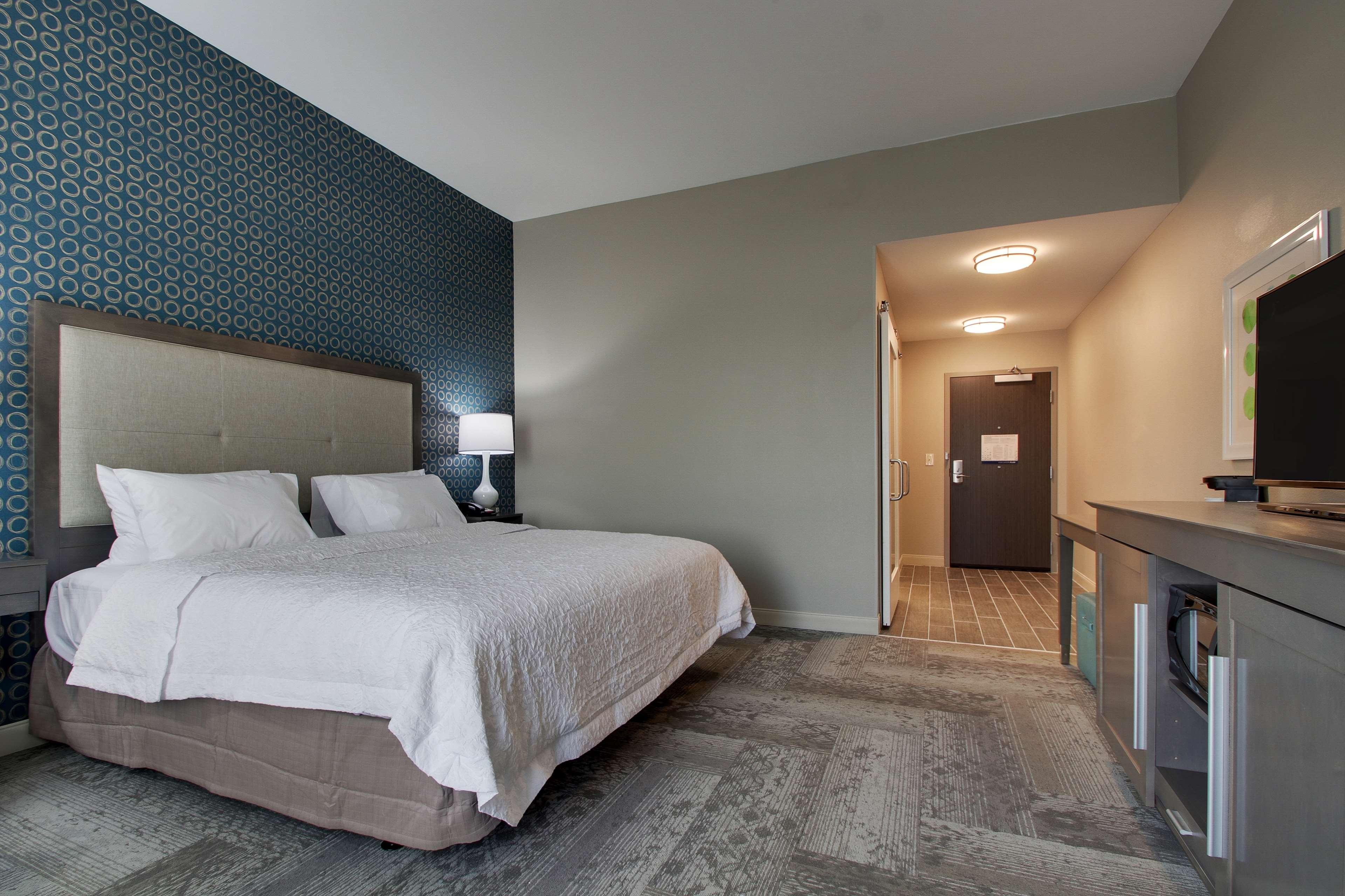 Hampton Inn & Suites Knightdale Raleigh image 30
