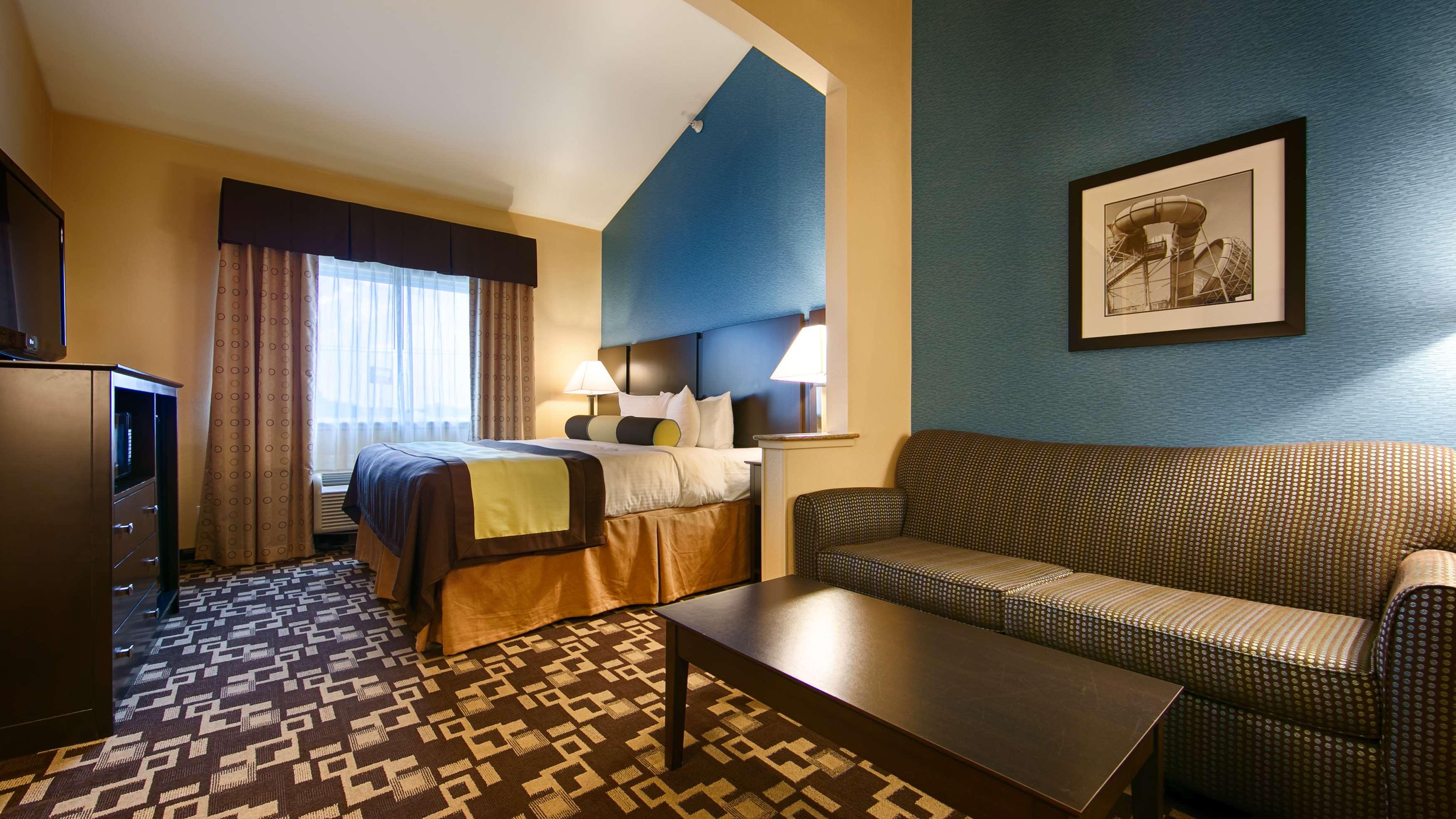 Best Western Plus Arlington North Hotel & Suites image 22
