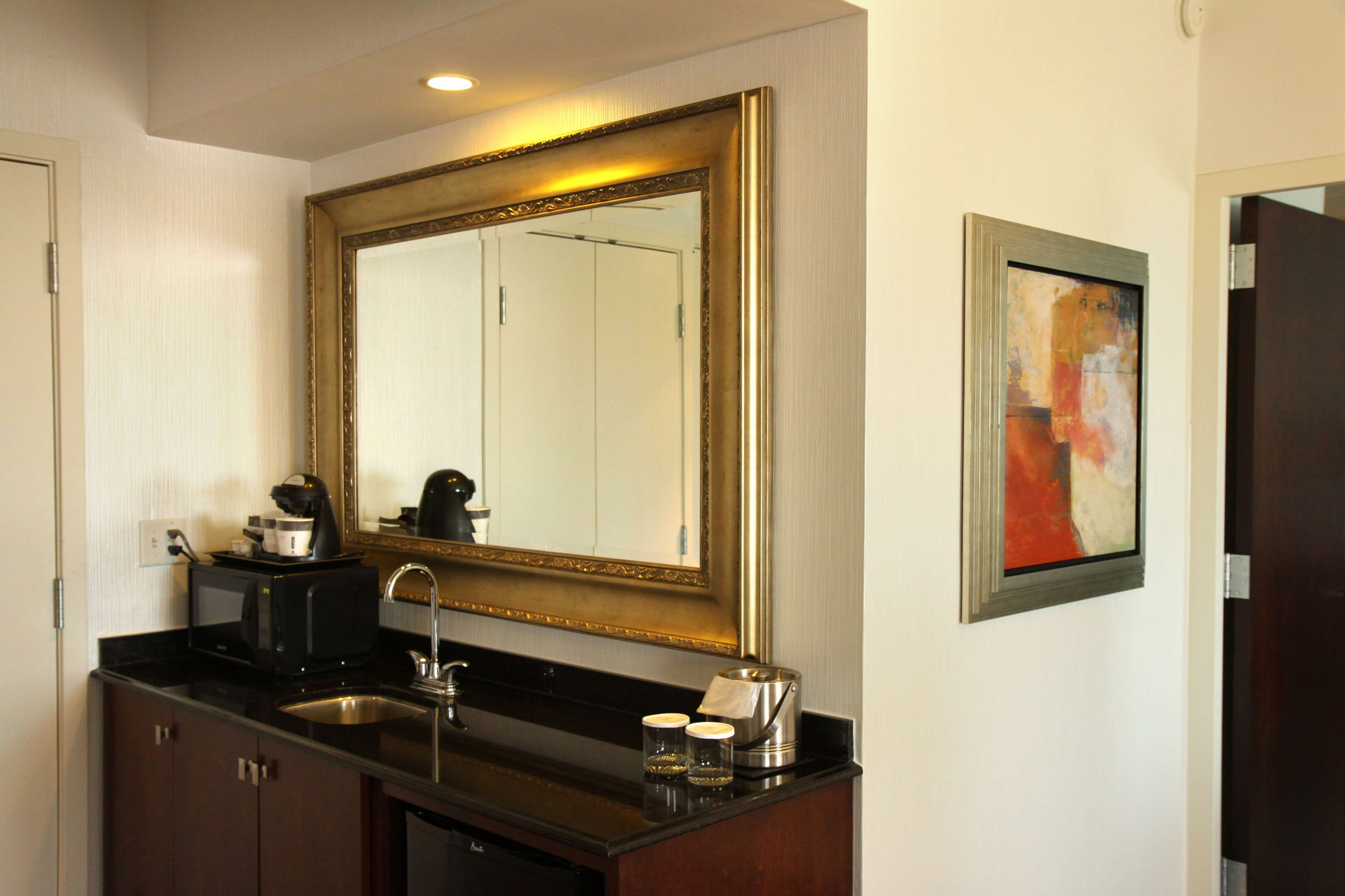 DoubleTree by Hilton Hotel Rochester - Mayo Clinic Area image 41