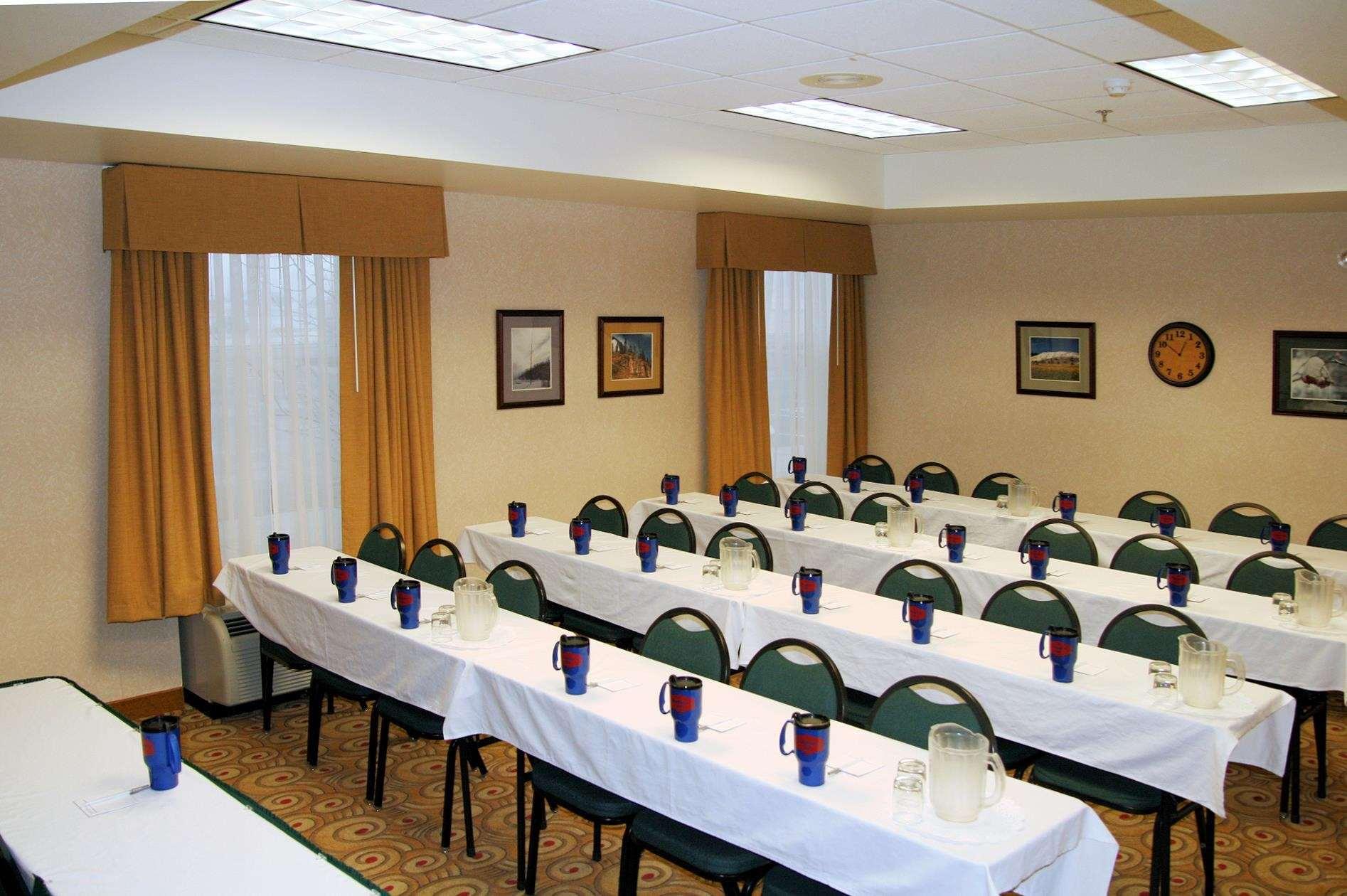 Hampton Inn Butte image 32