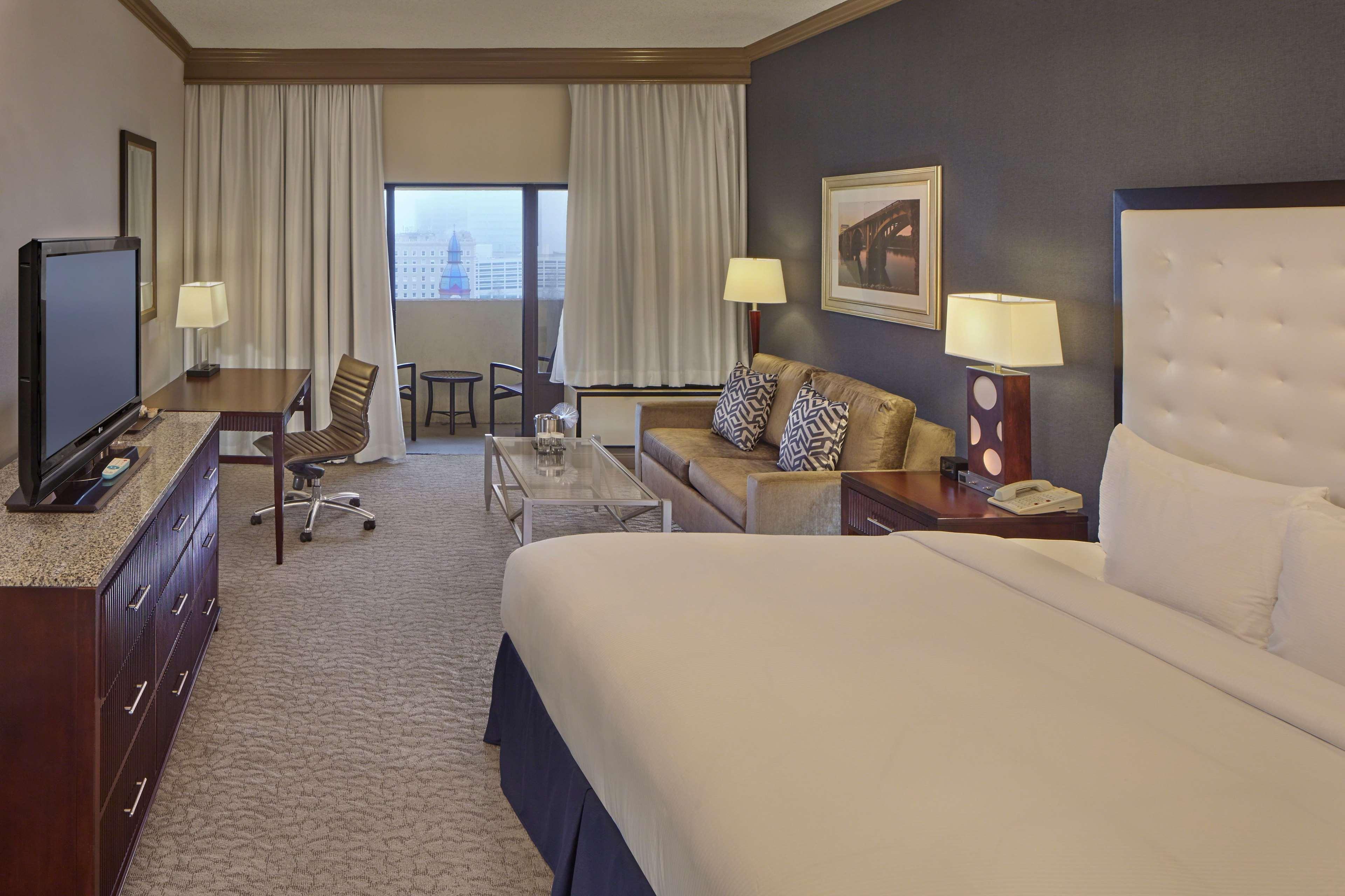 DoubleTree by Hilton Hotel Little Rock image 25