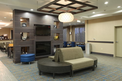 Holiday Inn Express & Suites Goldsboro - Base Area image 2
