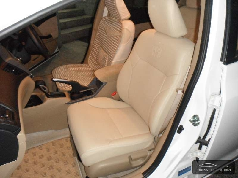 Dale's Auto Upholstery Centre in Medicine Hat: Car seats and floormats
