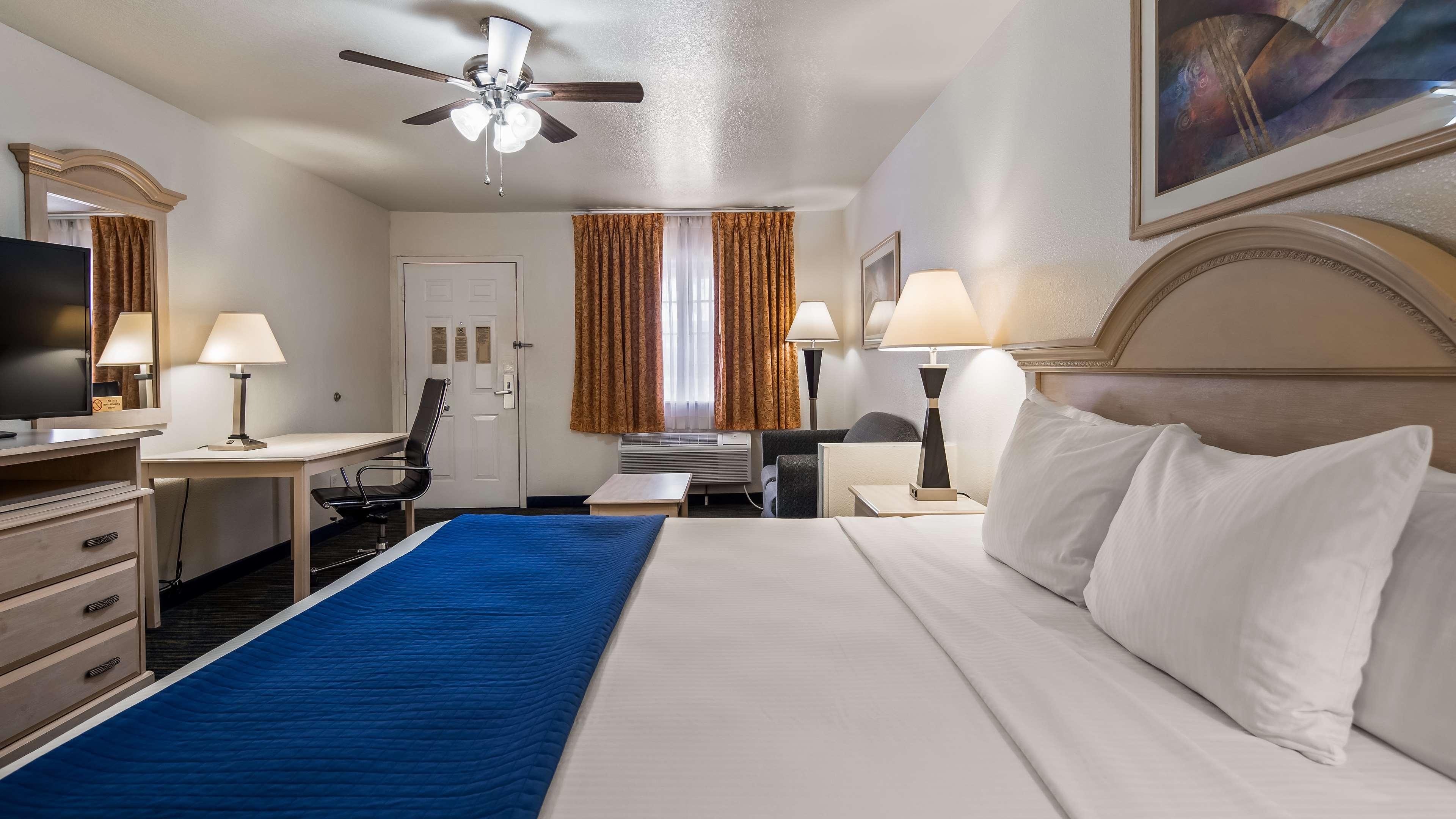 SureStay Hotel by Best Western Falfurrias image 16