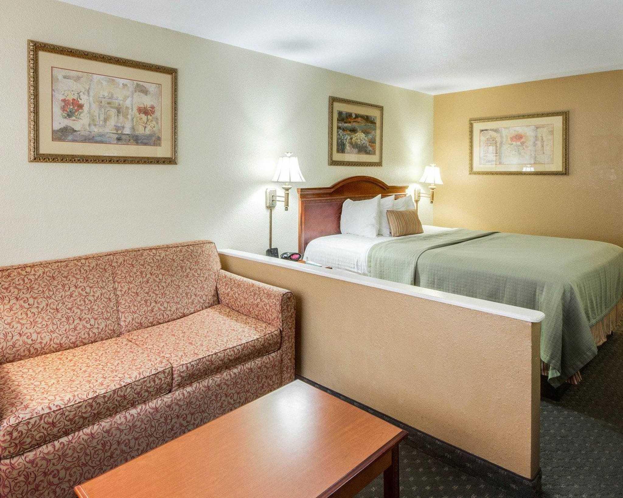 Quality Inn & Suites Eagle Pass image 22