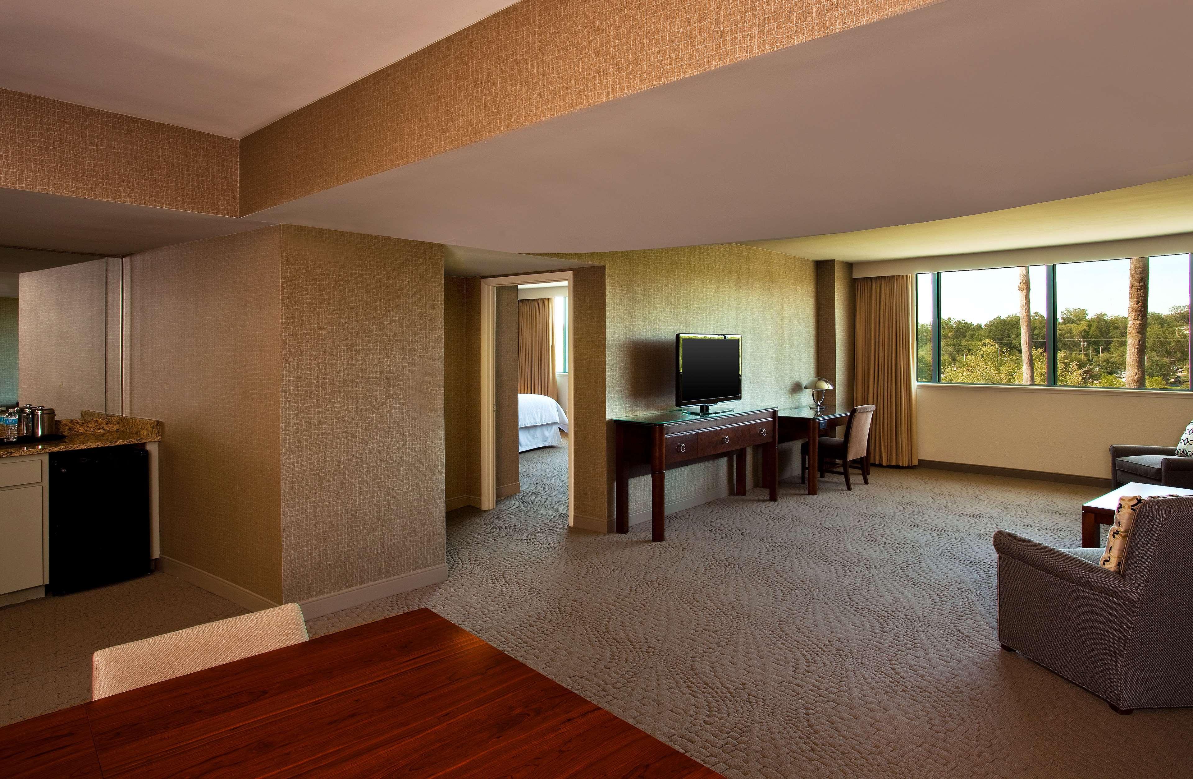 Sheraton Tampa Brandon Hotel image 3