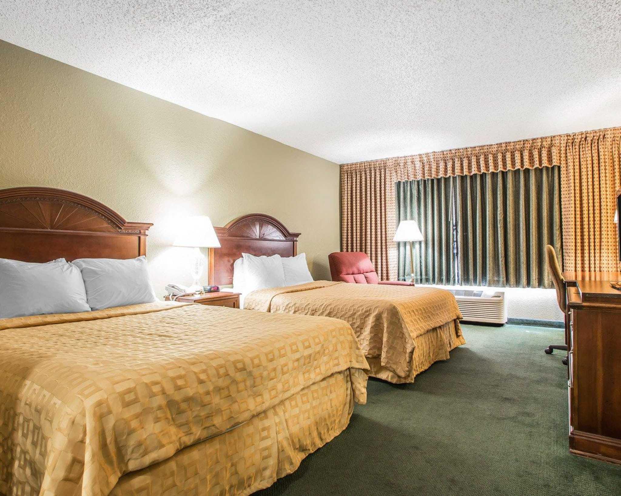 Clarion Hotel Highlander Conference Center image 3