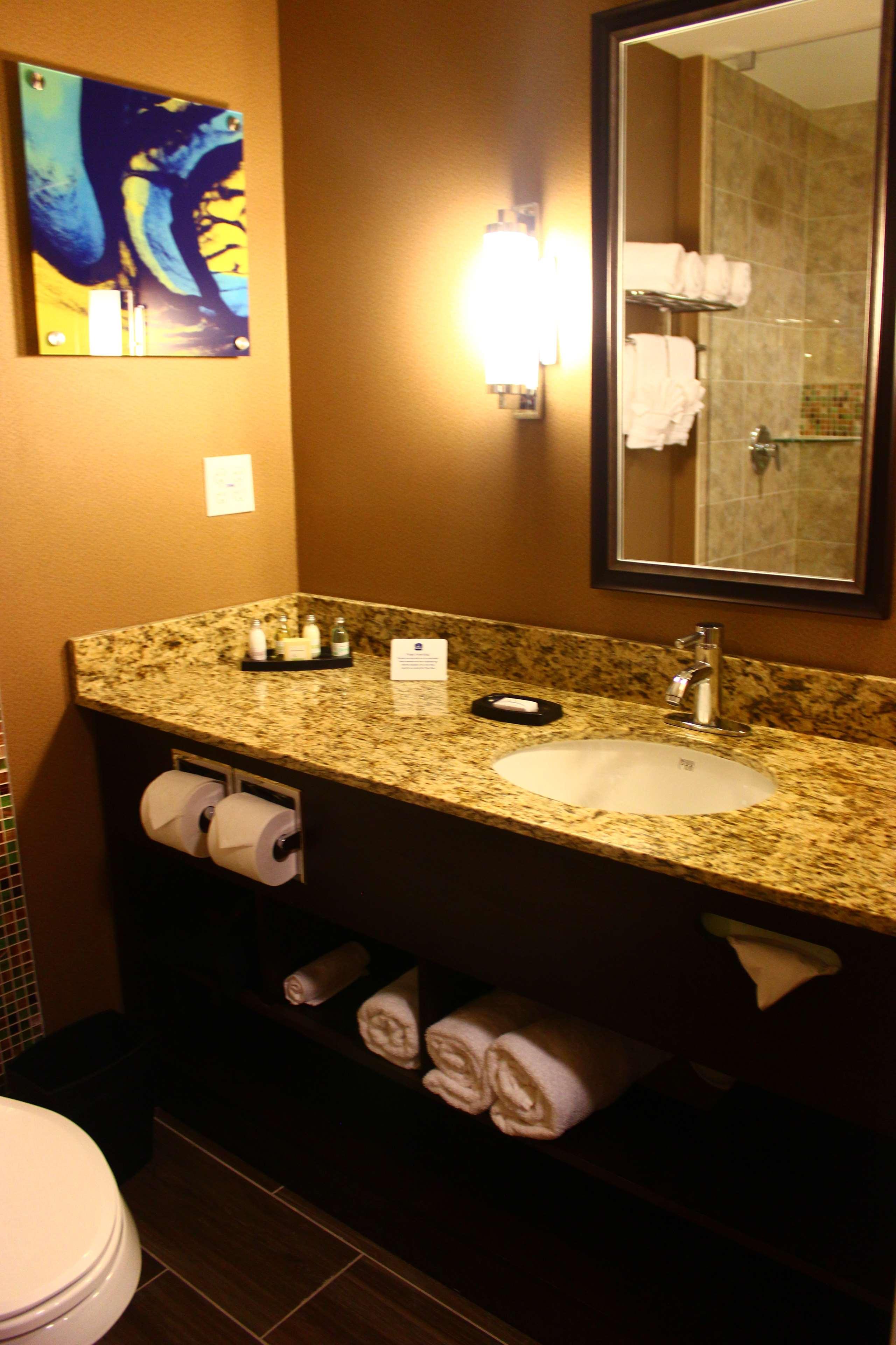 Best Western Plus Kendall Airport Hotel & Suites image 26