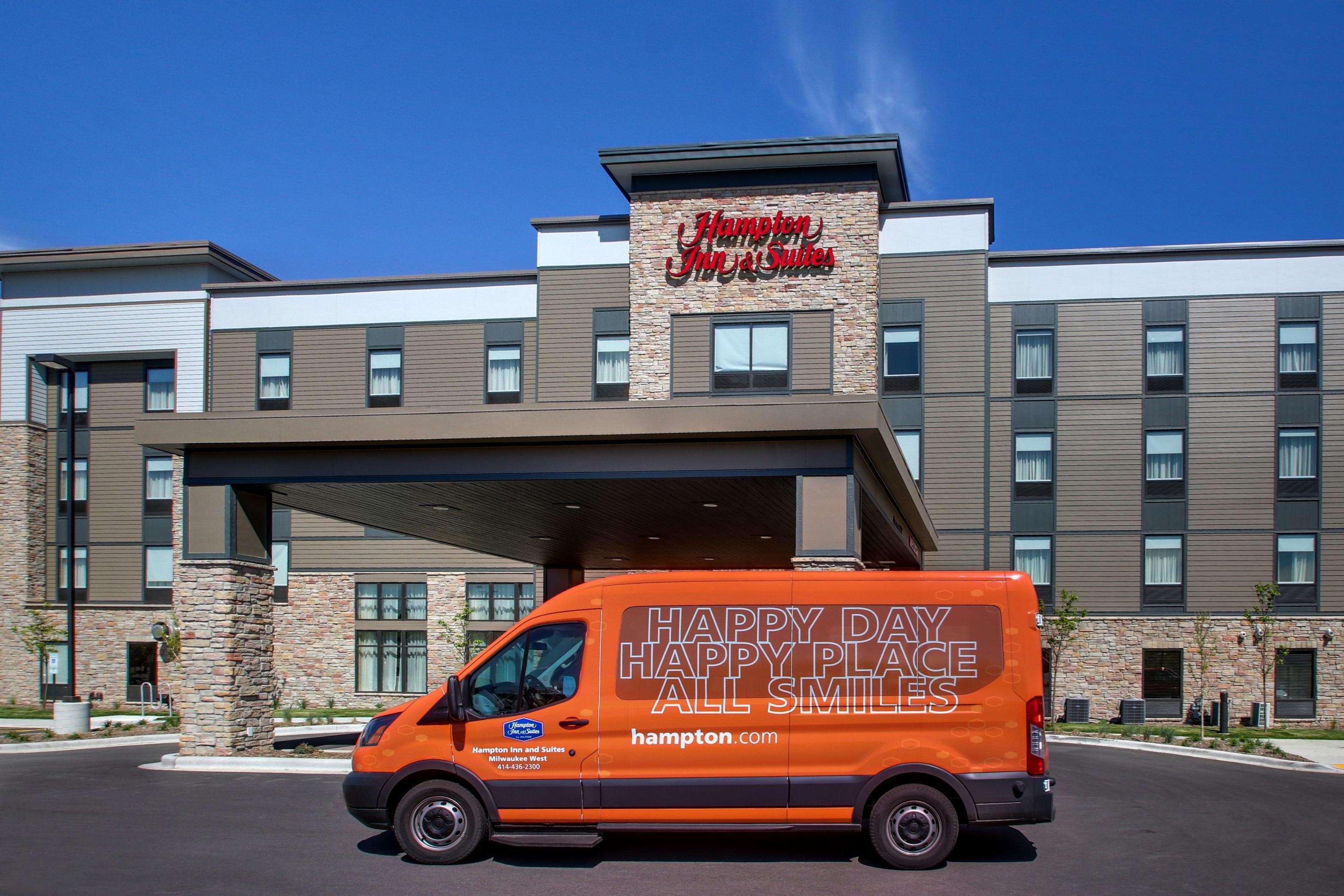 Hampton Inn & Suites Milwaukee West image 40