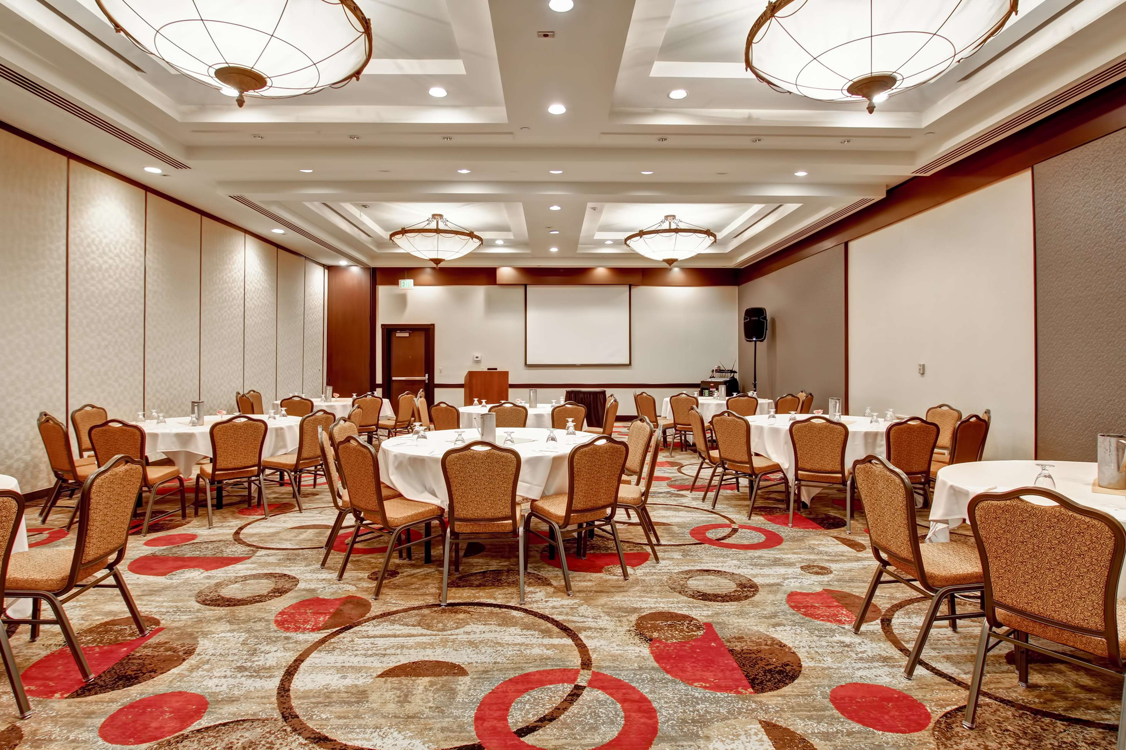 DoubleTree by Hilton Hotel Pleasanton at the Club image 44