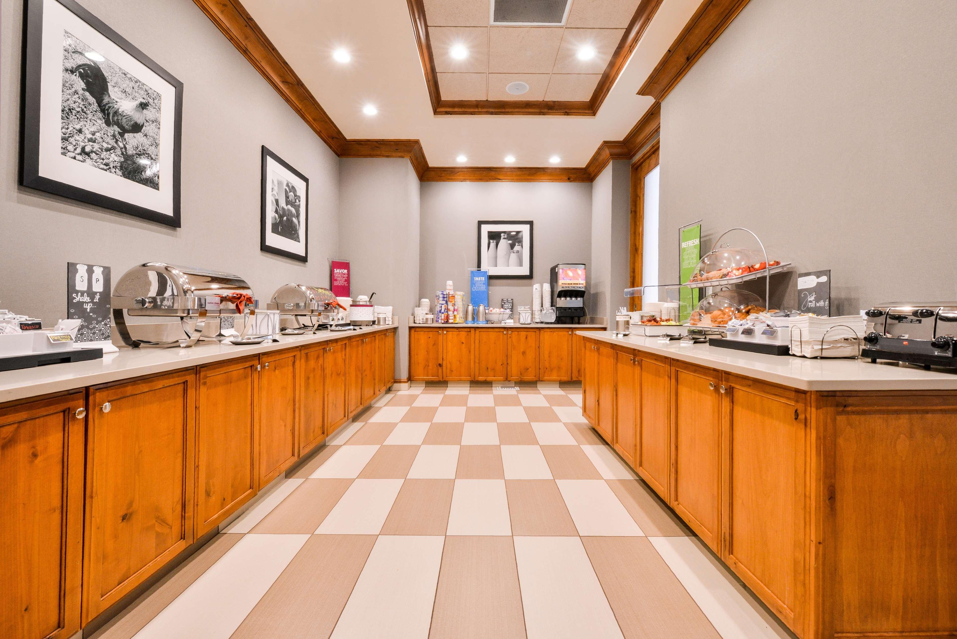 Hampton Inn & Suites Coeur d' Alene image 12