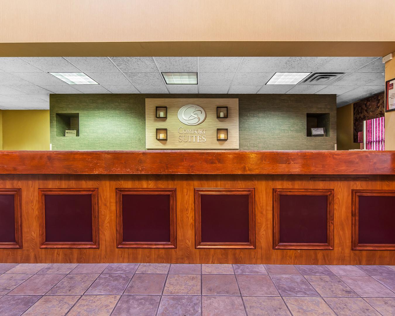 Comfort Suites Airport image 1