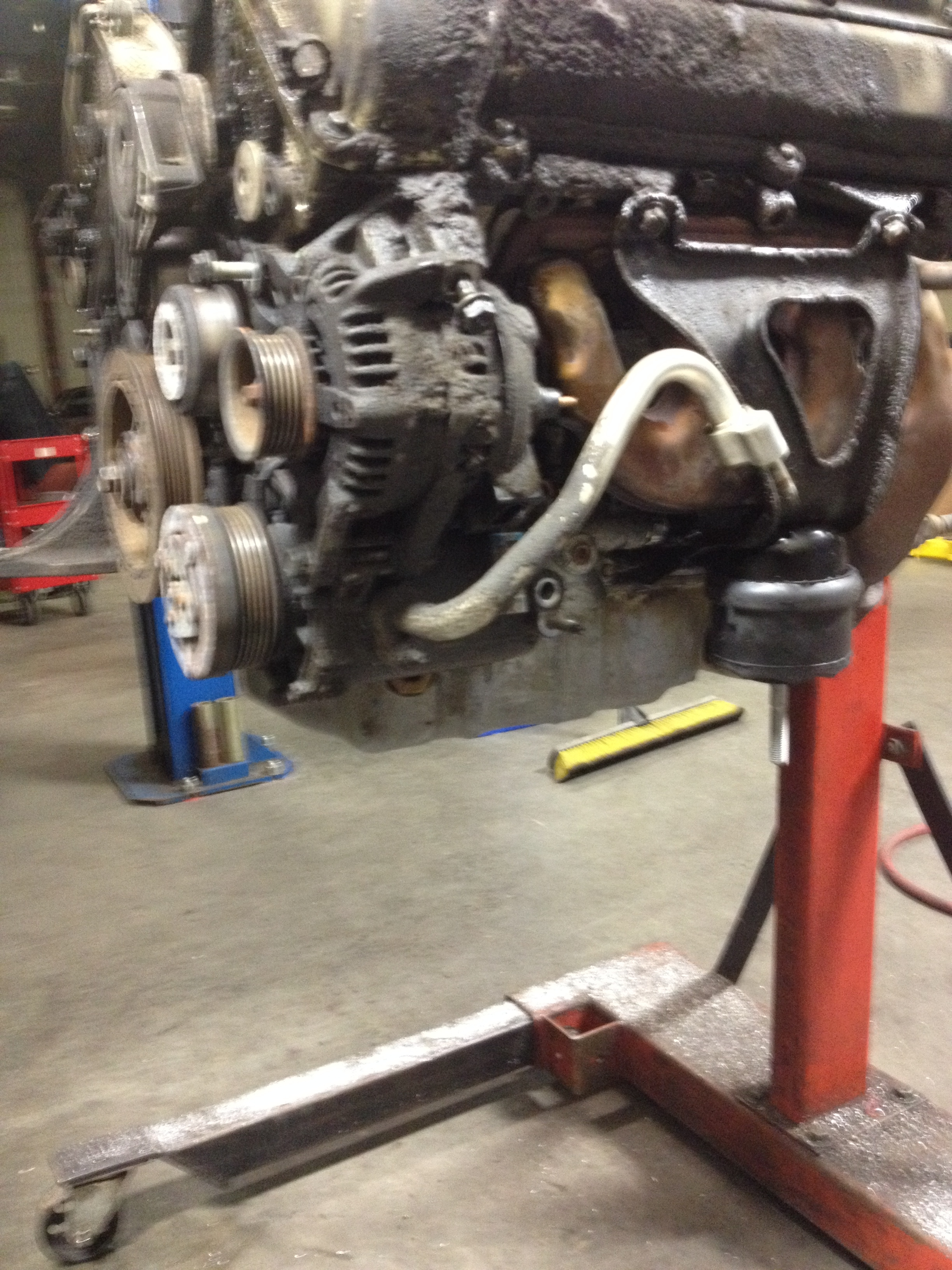 Auto Repair Shop in IN Indianapolis 46250 B & B Automotive LLC 8531 Bash St  (317)796-7857
