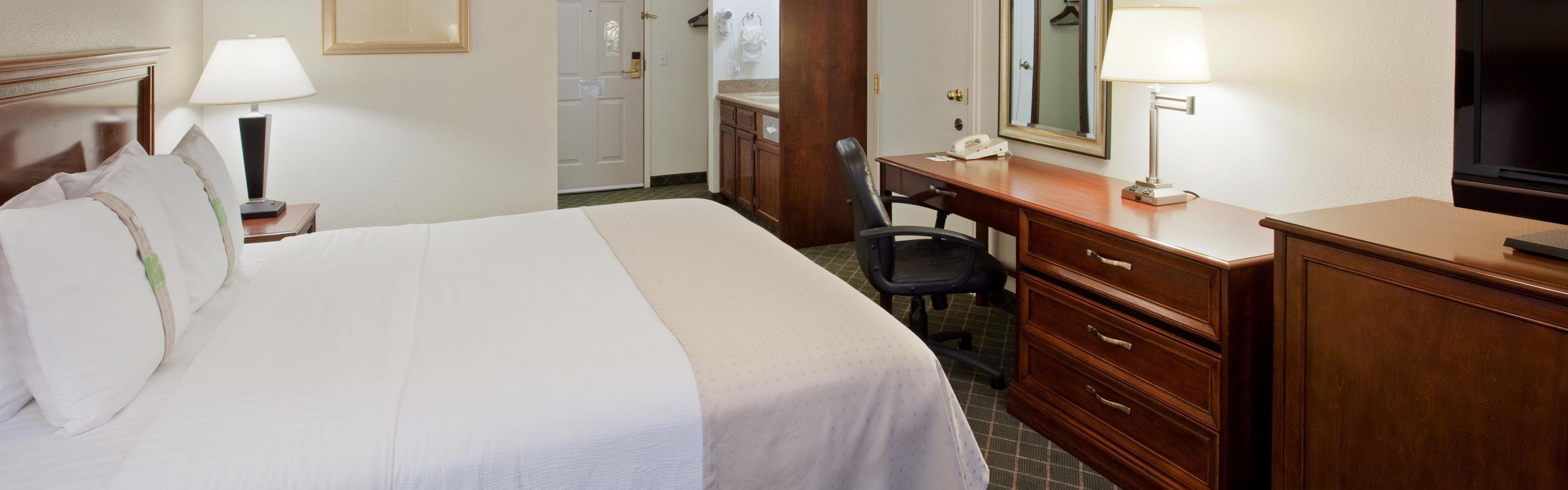 Holiday Inn Redding image 1