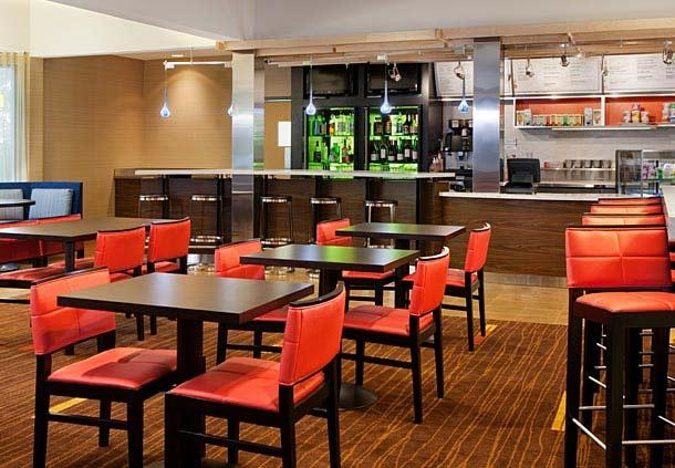 Courtyard by Marriott Boston Milford image 7