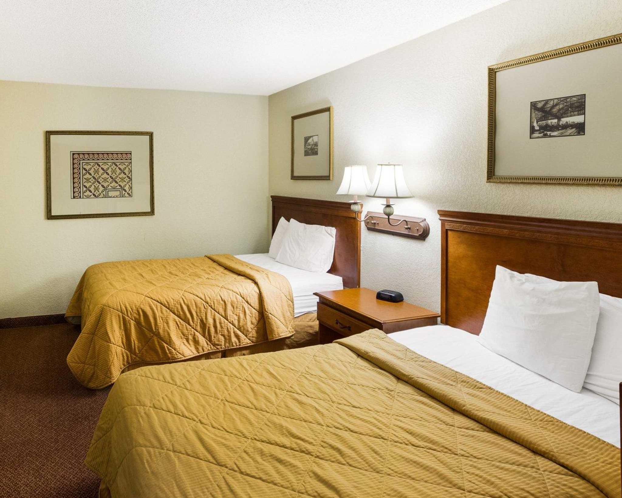 Rodeway Inn & Suites Fiesta Park image 7