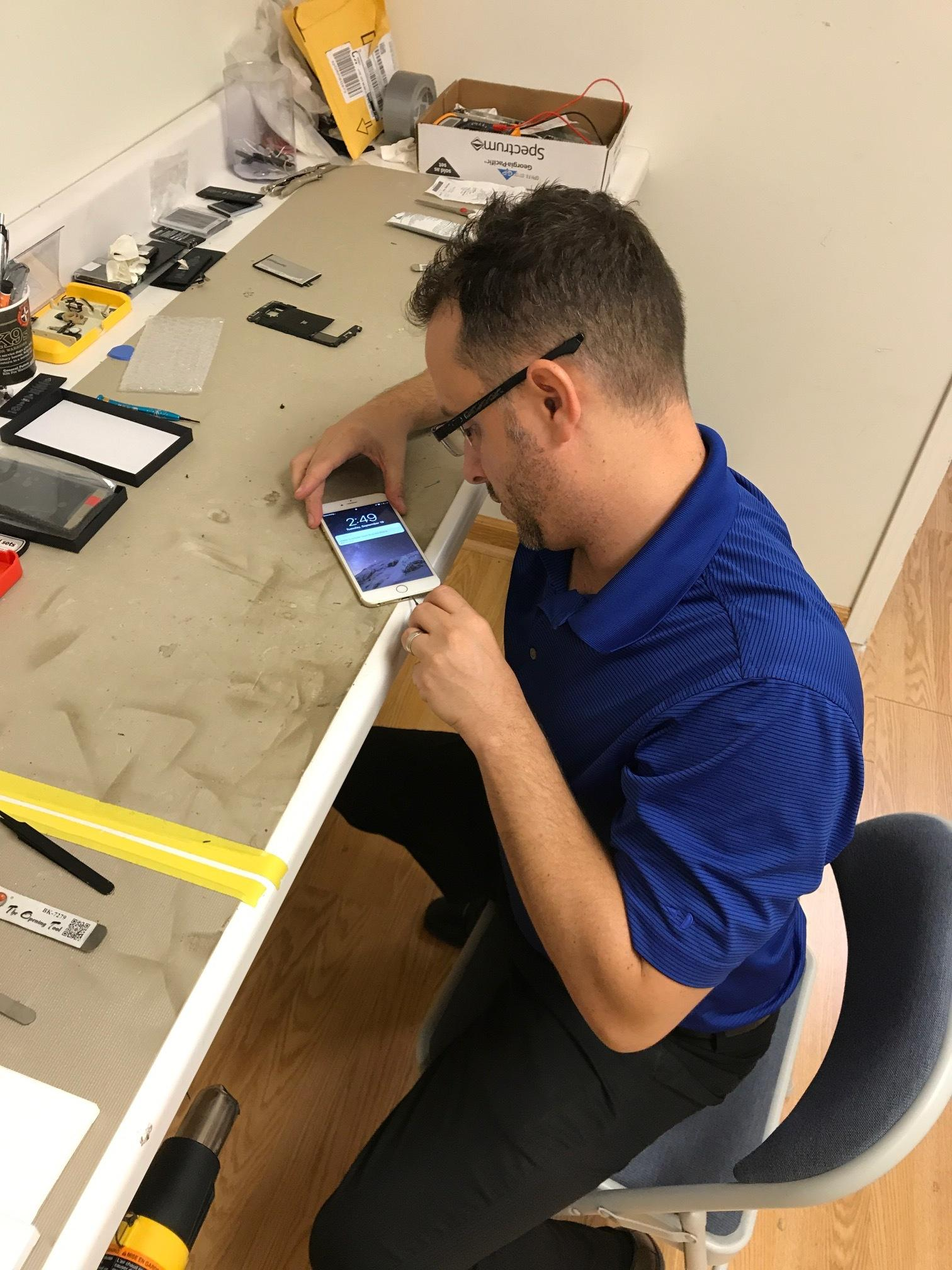 CPR Cell Phone Repair Houston - Windermere Lakes Plaza image 3