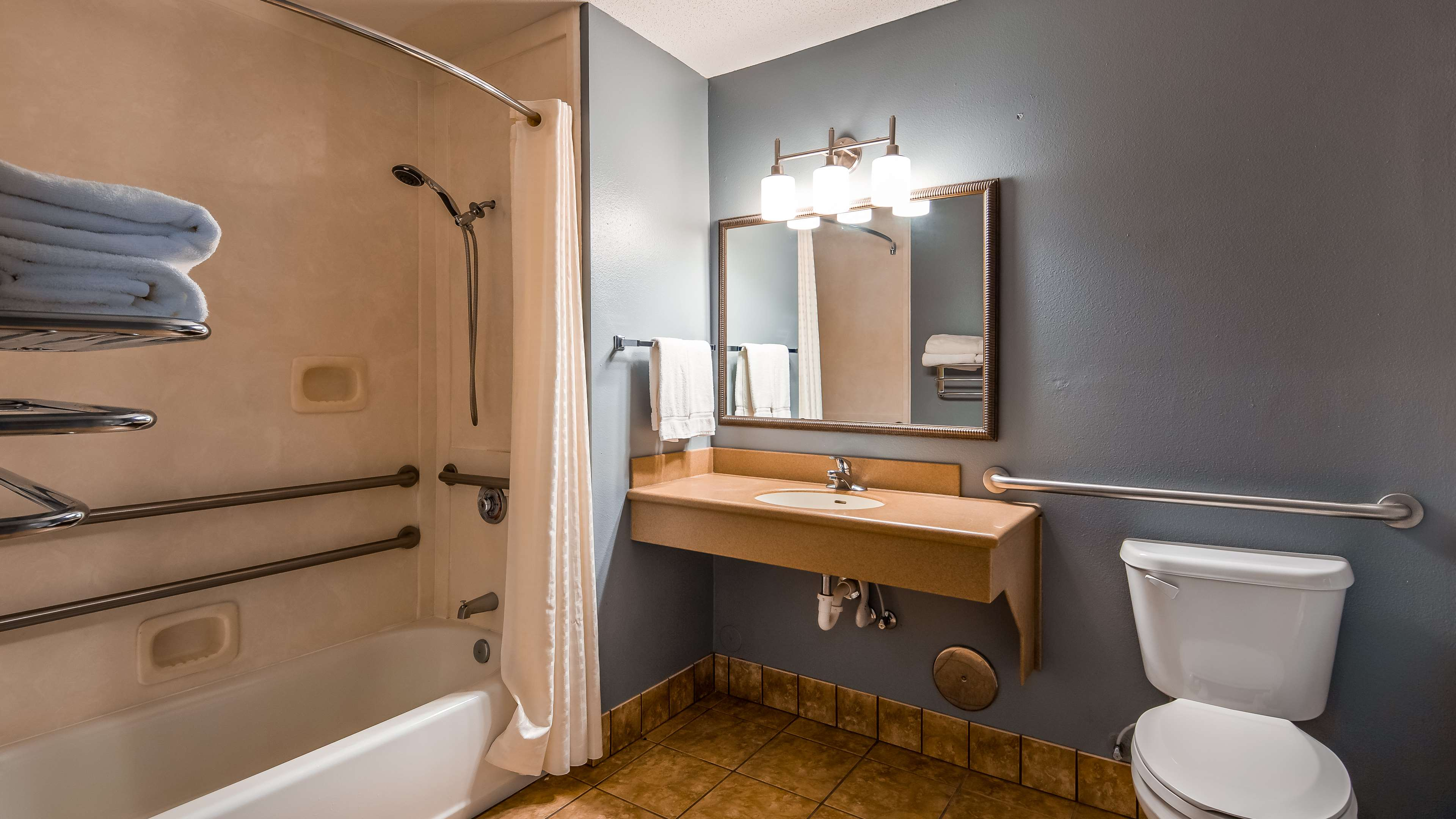 Best Western Plus Two Rivers Hotel & Suites image 8