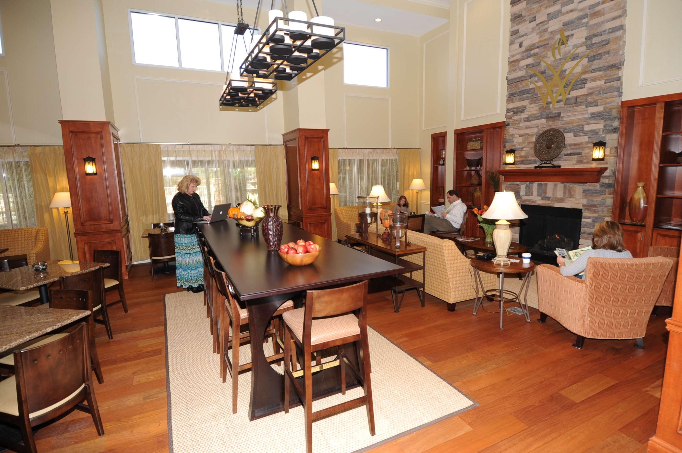 Hampton Inn & Suites Lanett-West Point image 6