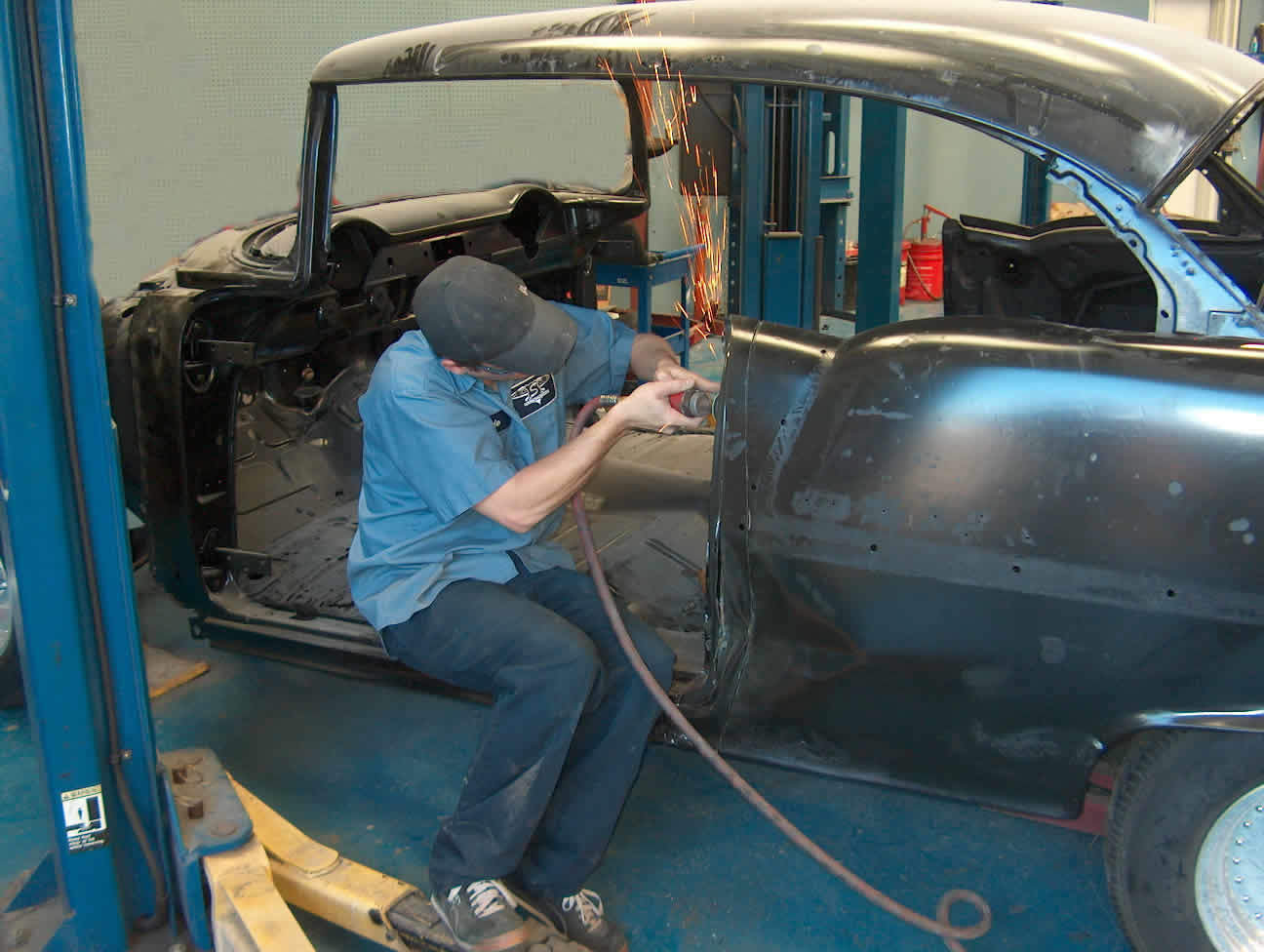 Select Motors Auto Restoration  and  Repair image 10