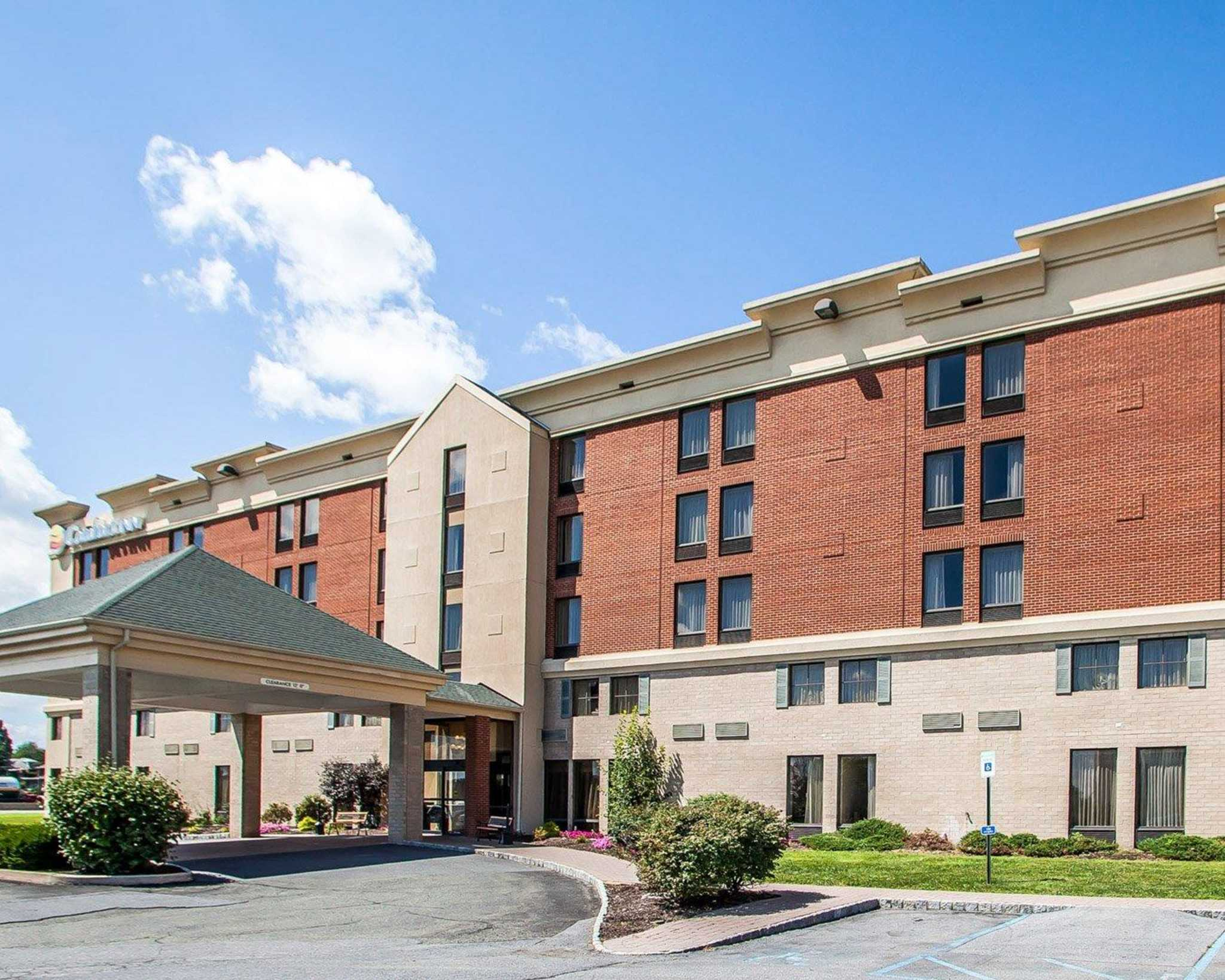 Comfort Inn Lehigh Valley West image 23